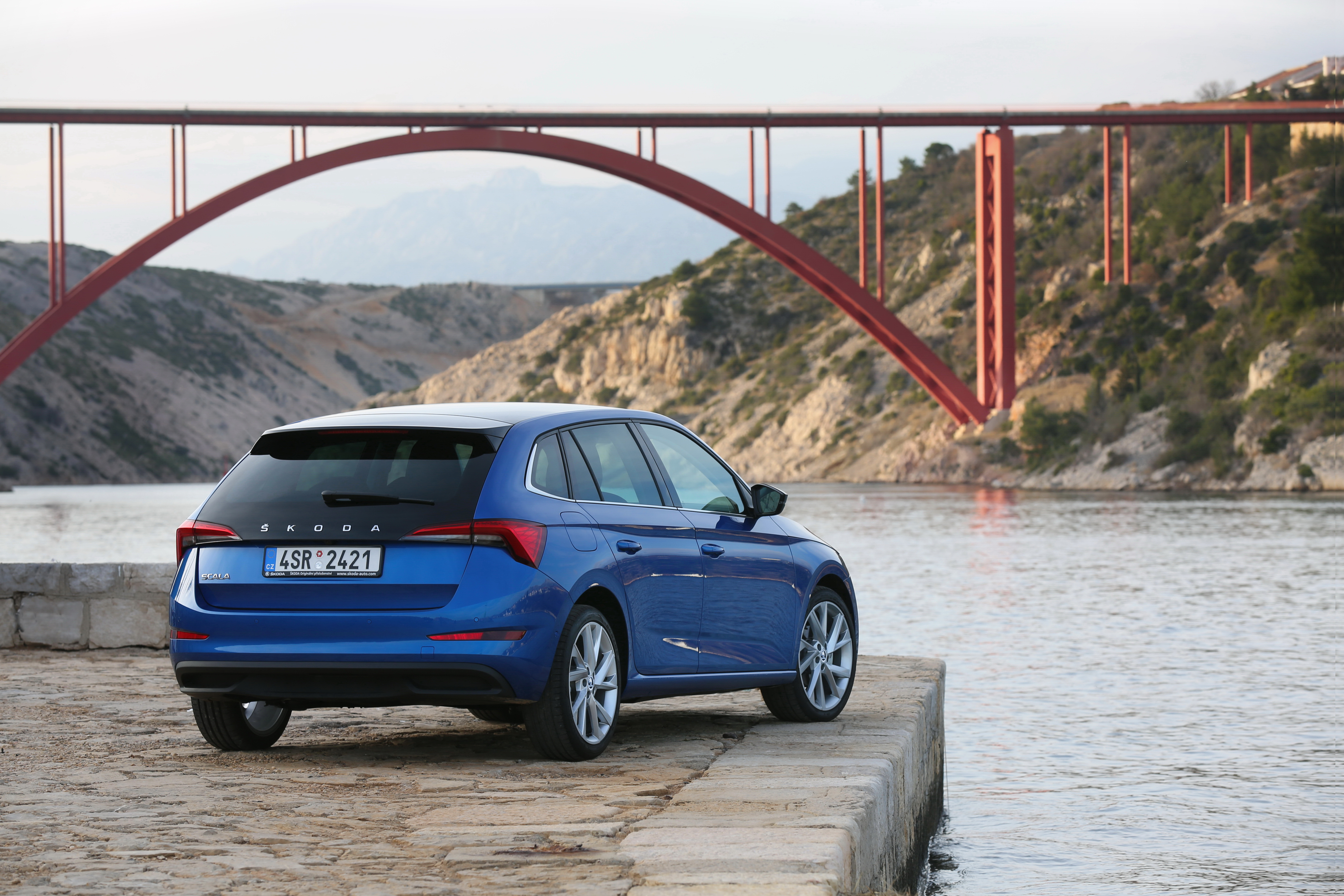 Race Blue and Quartz Grey on trend: the most popular colours for the SKODA compact models SCALA and KAMIQ - Image 2