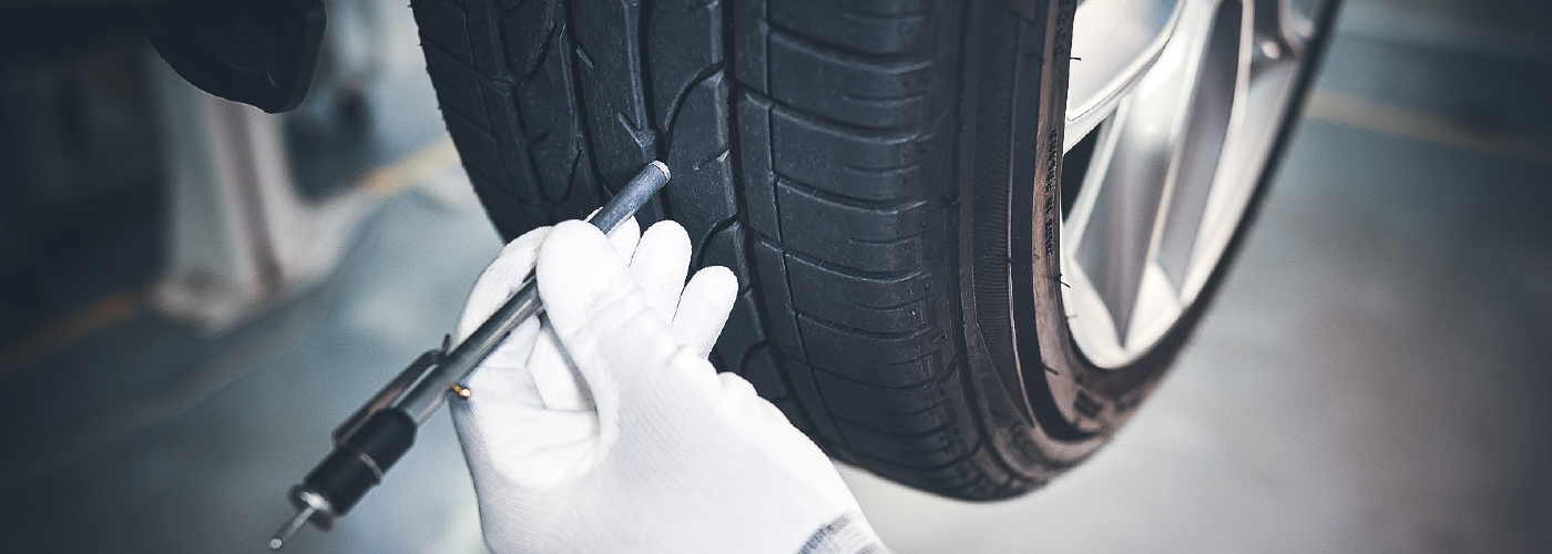 checking-tyre