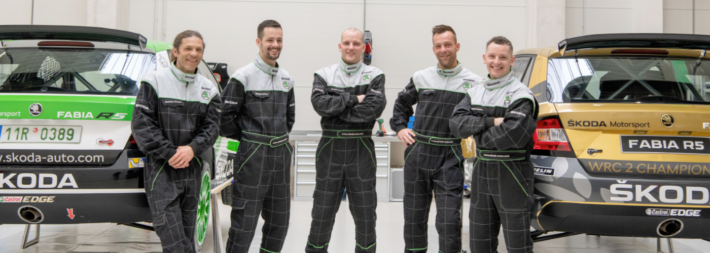 skoda-motorsport-mechanics-CREW