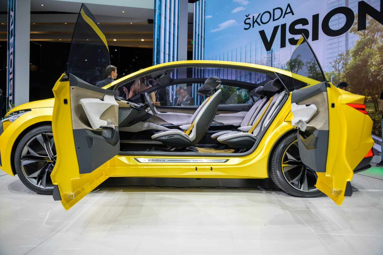 skoda-vision-iv-geneva-interior-open