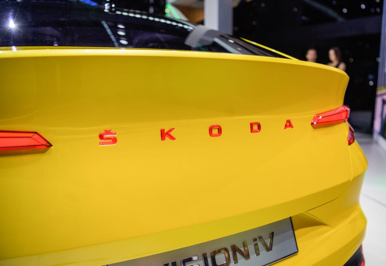 skoda-vision-iv-geneva-rear-skoda-name
