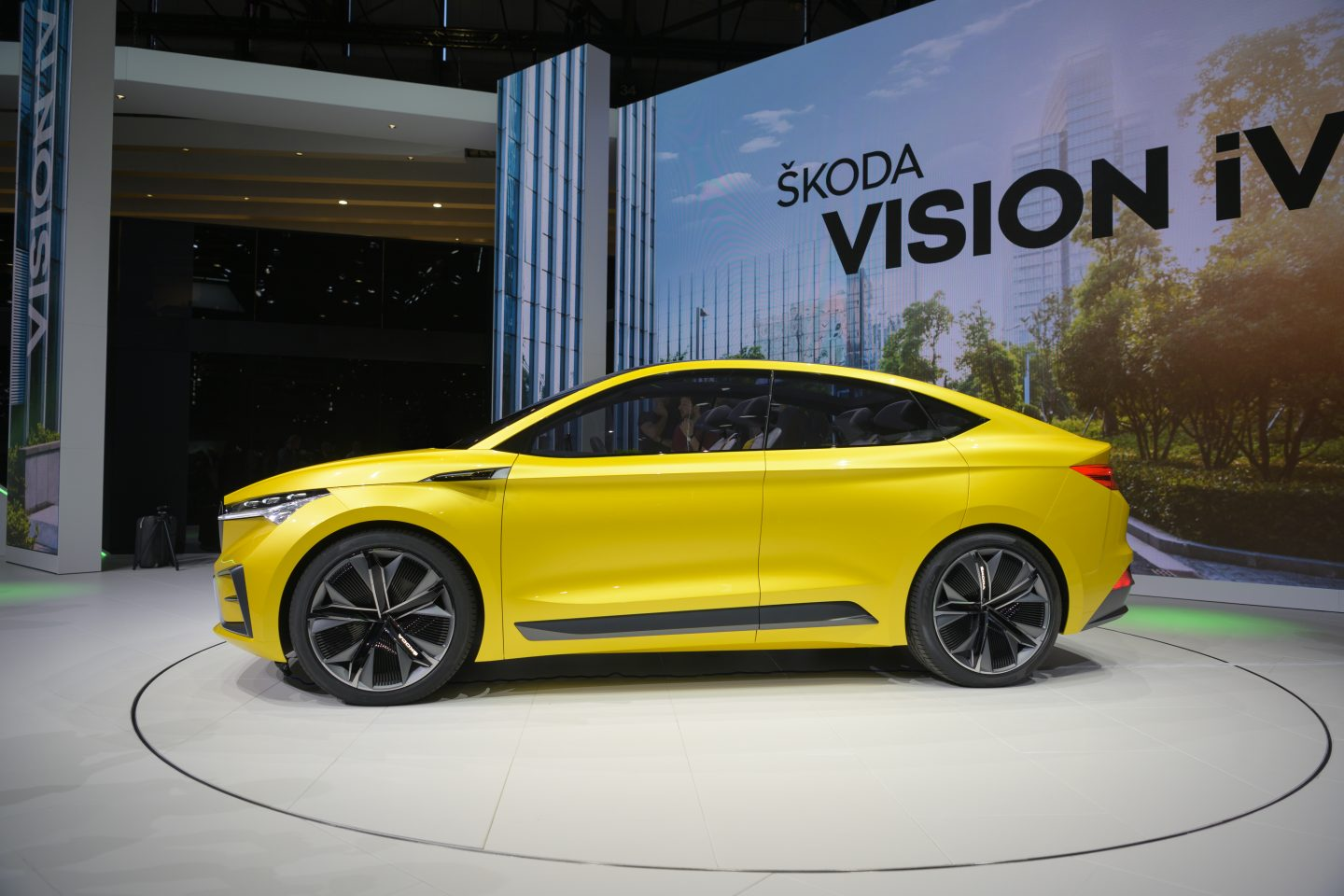 skoda-vision-iv-geneva-side-view