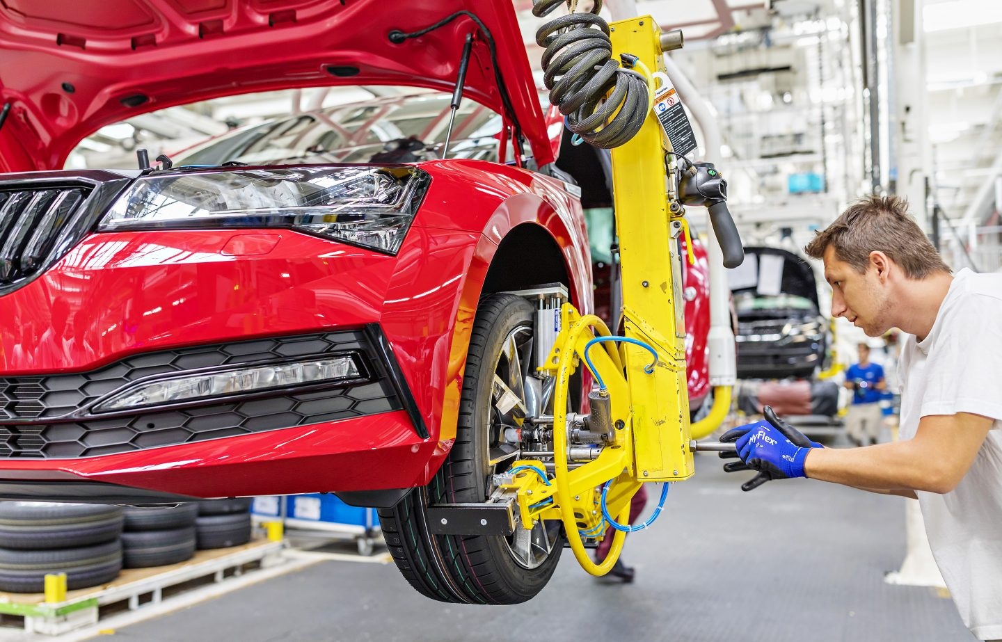 ŠKODA begins serial production of its revised SUPERB flagship