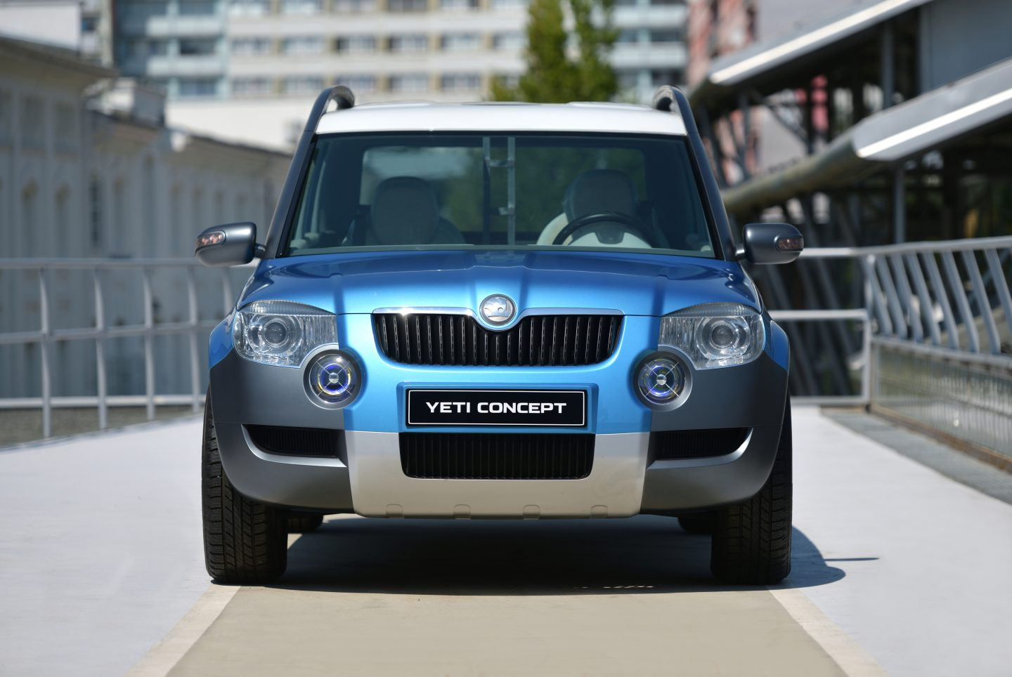 yeti-skoda-exterior-front-photo-shoot
