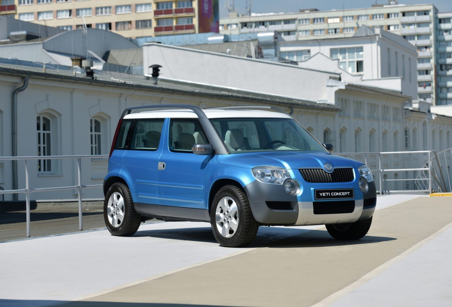 yeti-skoda-photo-exterior-side-view