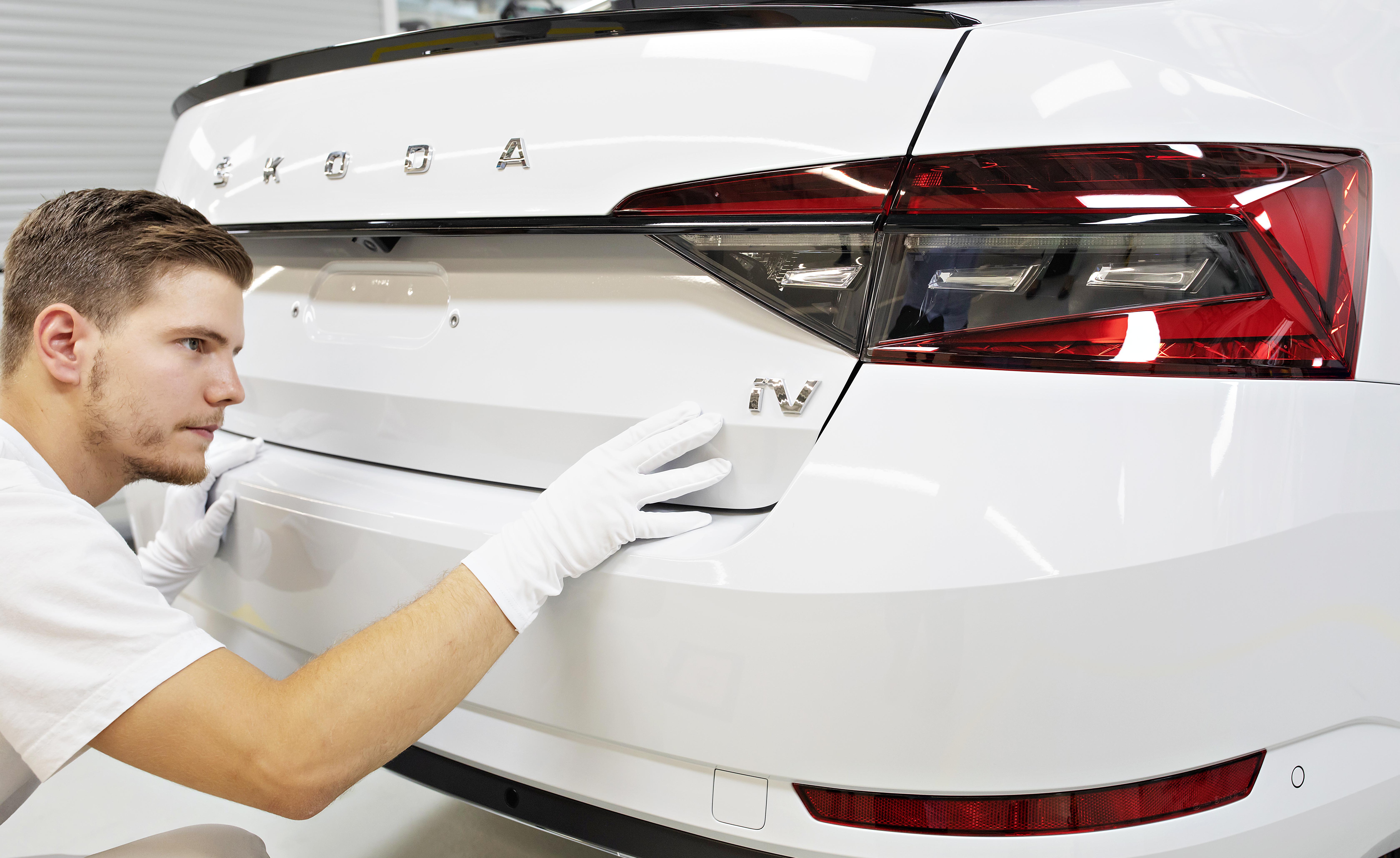 ŠKODA AUTO begins serial production of SUPERB iV at Kvasiny plant