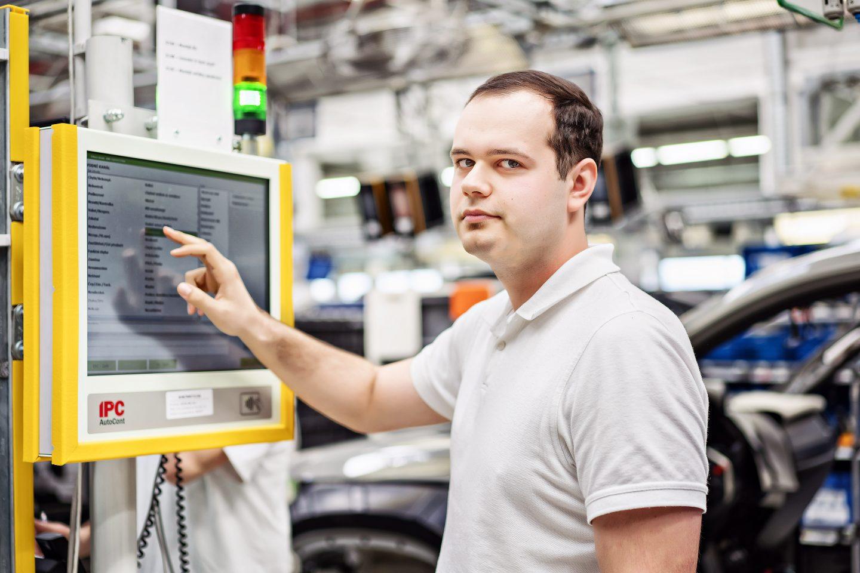 """Úspěšné zavedení projektu """"dProdukce"""":  ŠKODA AUTO v Kvasinách optimalizuje výrobní procesy"""