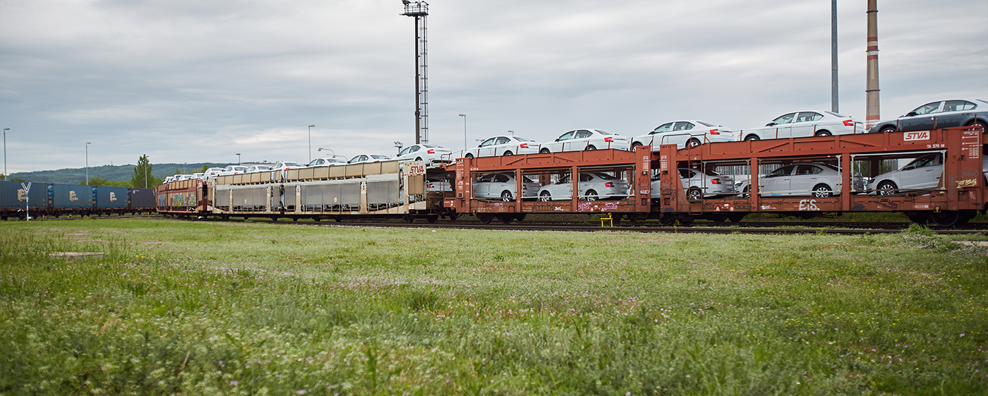 skoda-cars-transport-railway-train-boleslav