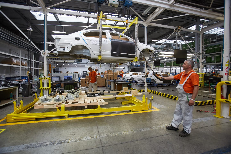 skoda-racks-bodywork-cars-transport-logistics