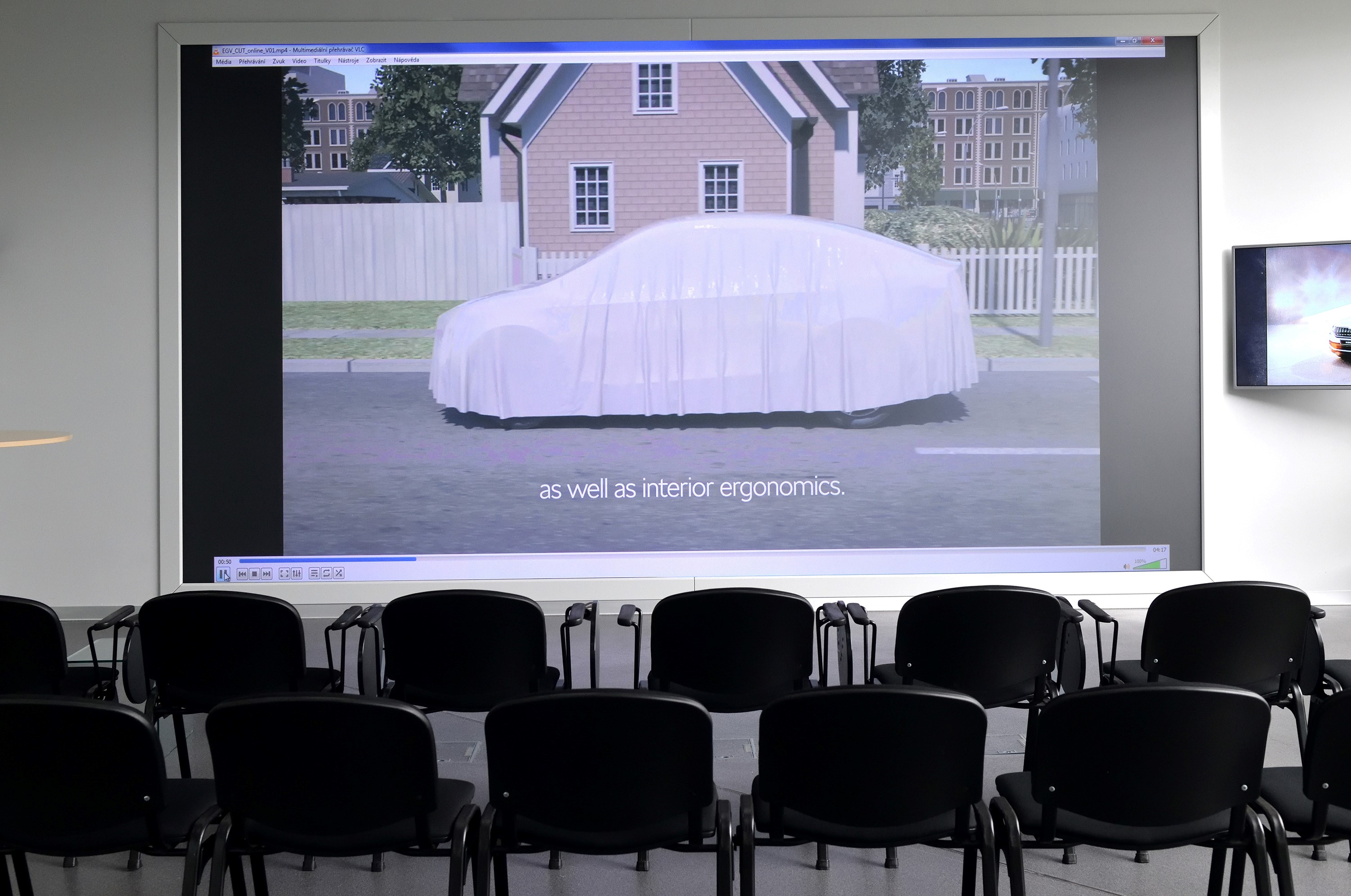 egv-projector-test-skoda-company-office