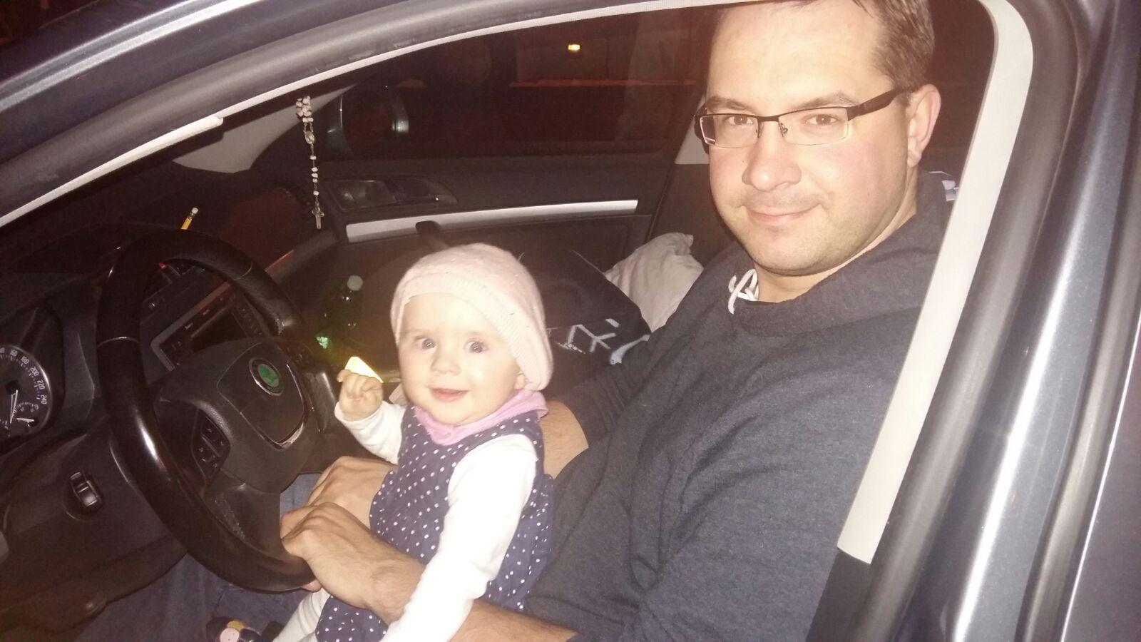 skoda-octavia-family-in-car