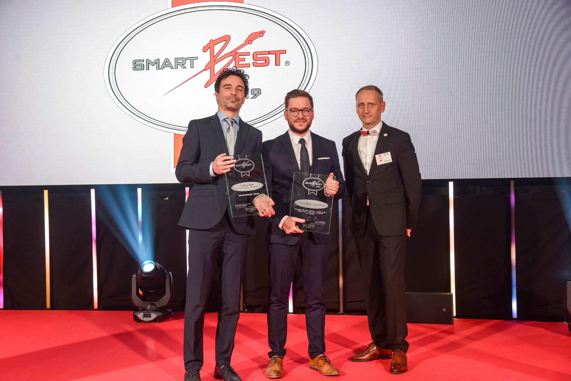 """SKODA wins """"SMARTBEST 2019"""" award for its new Digital Assistant Laura - Image 1"""