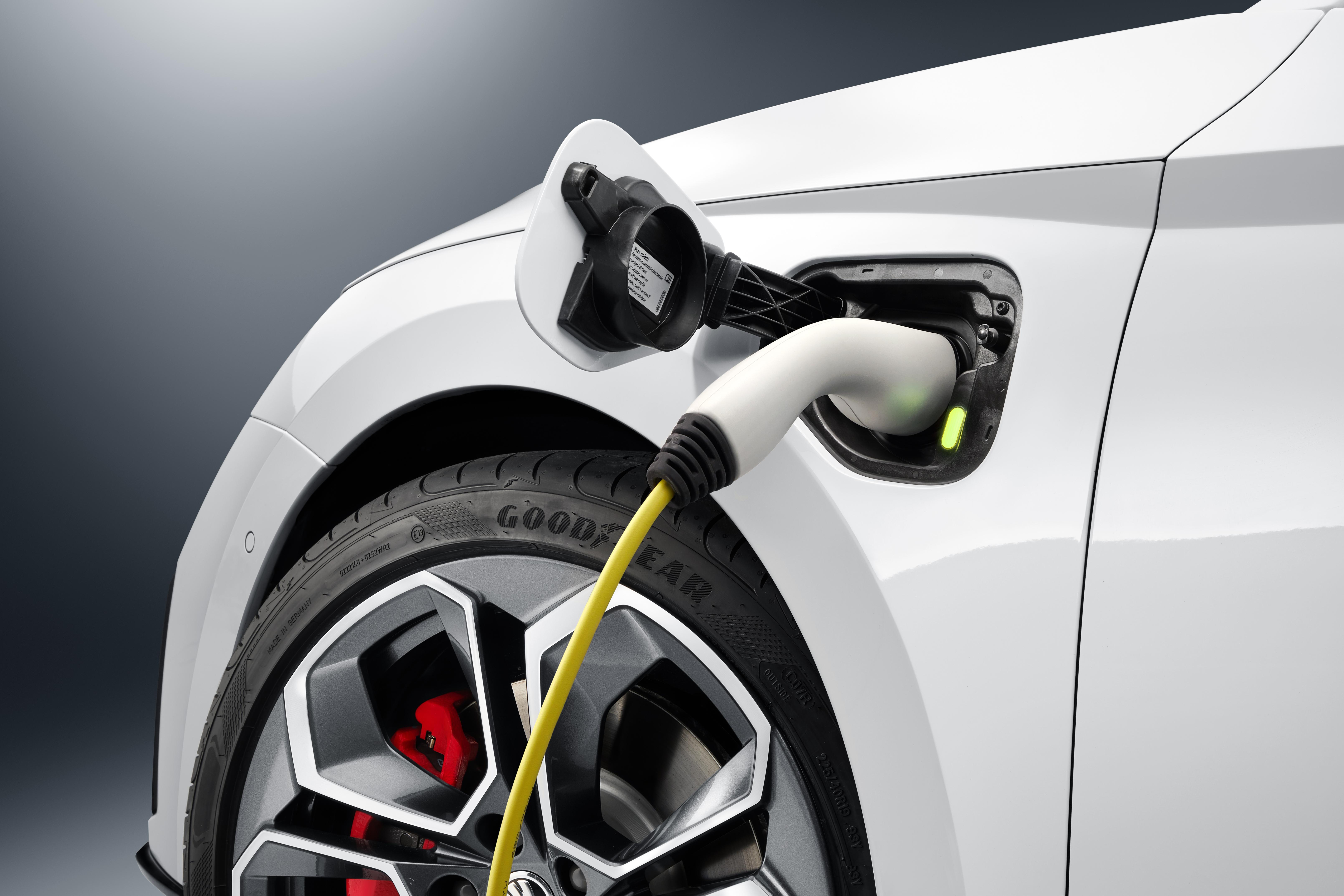 All-new OCTAVIA RS iV plug-in hybrid is the SKODA highlight at the Geneva Motor Show - Image 2