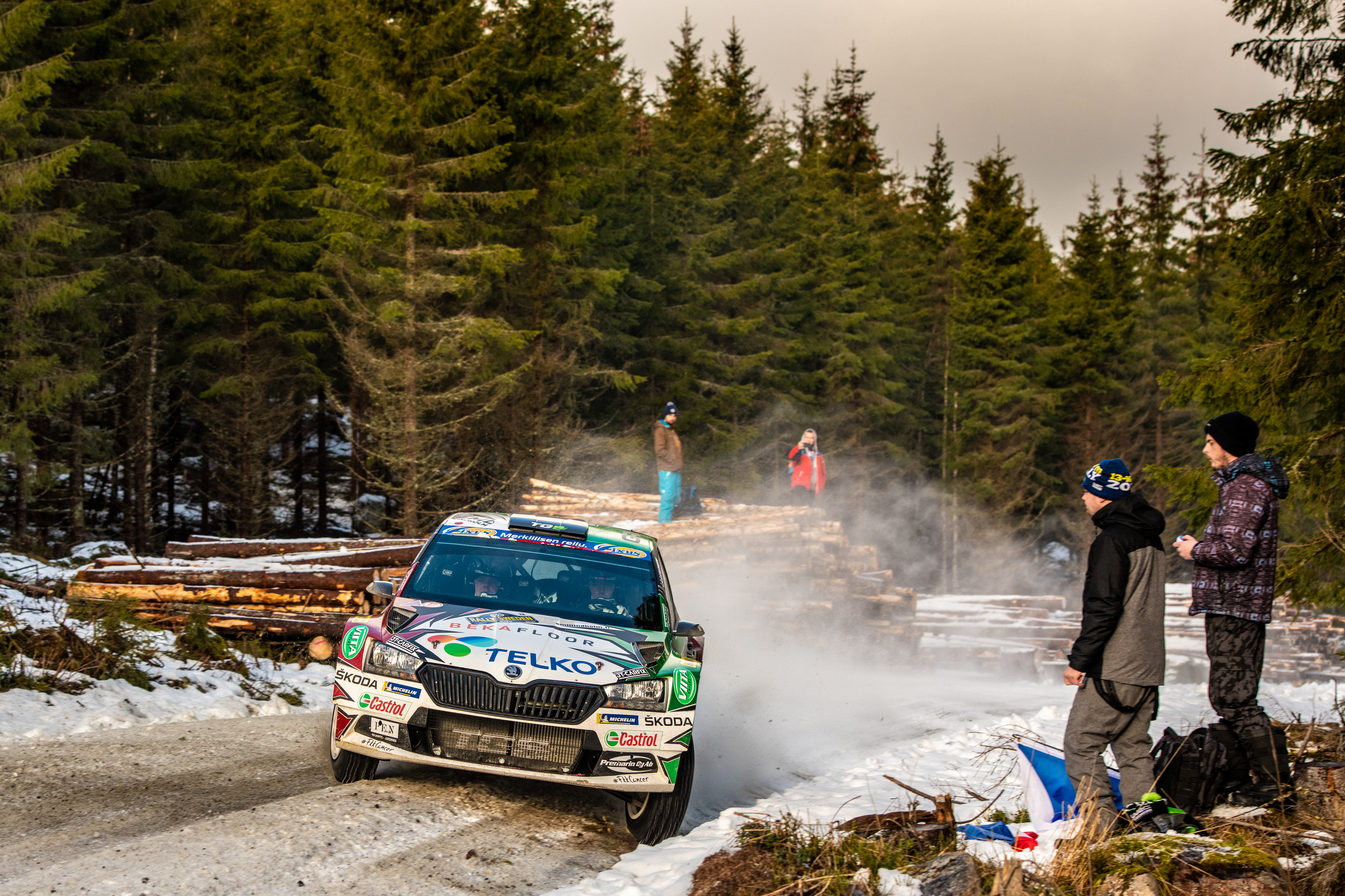 Rally Sweden/WRC3: SKODA privateer Lindholm in fight for victory – Solberg holds third at SKODA debut - Image 1