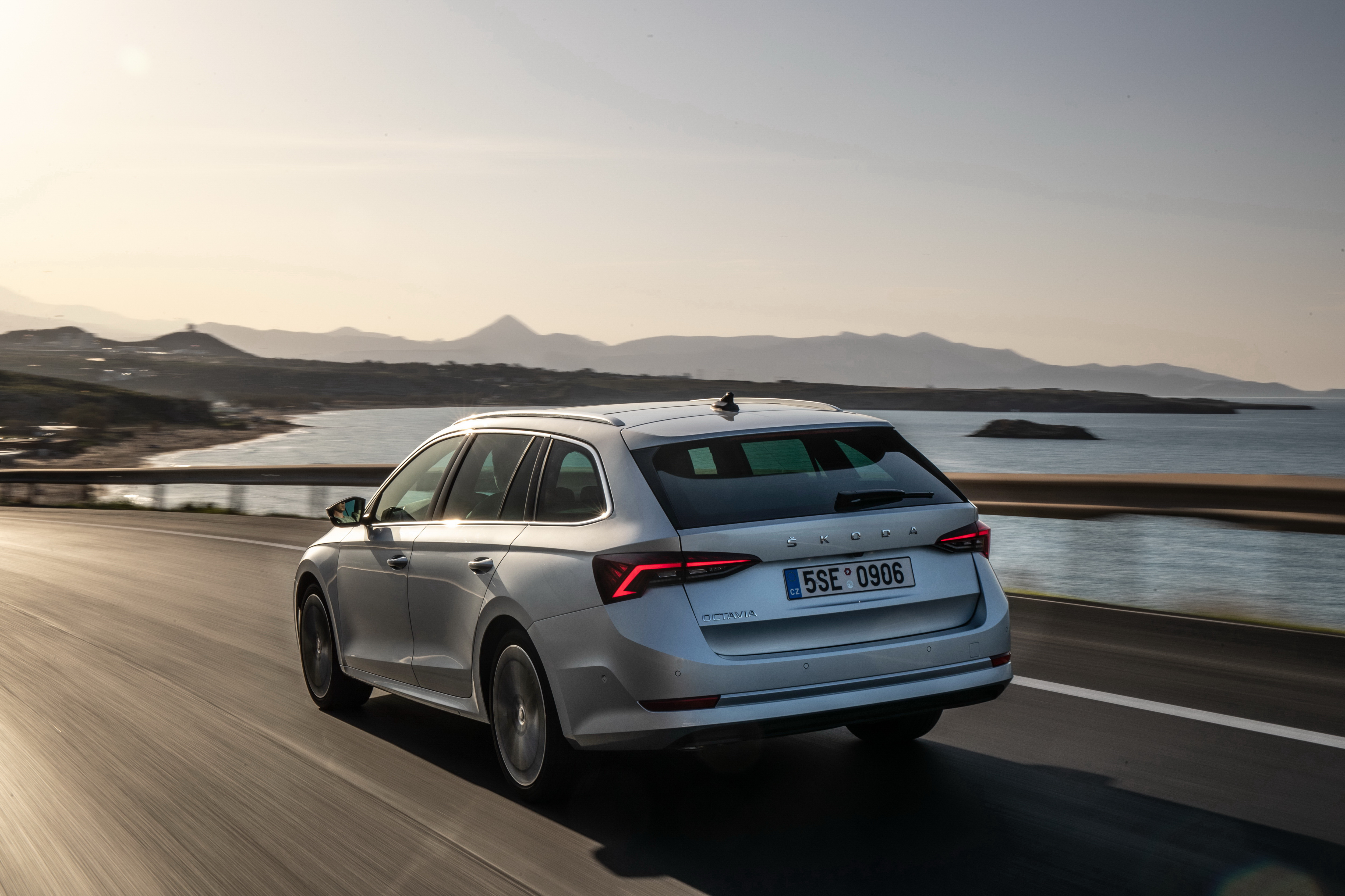 SKODA wins six 'Family Car of the Year' awards in AUTO Straßenverkehr readers' choice - Image 2