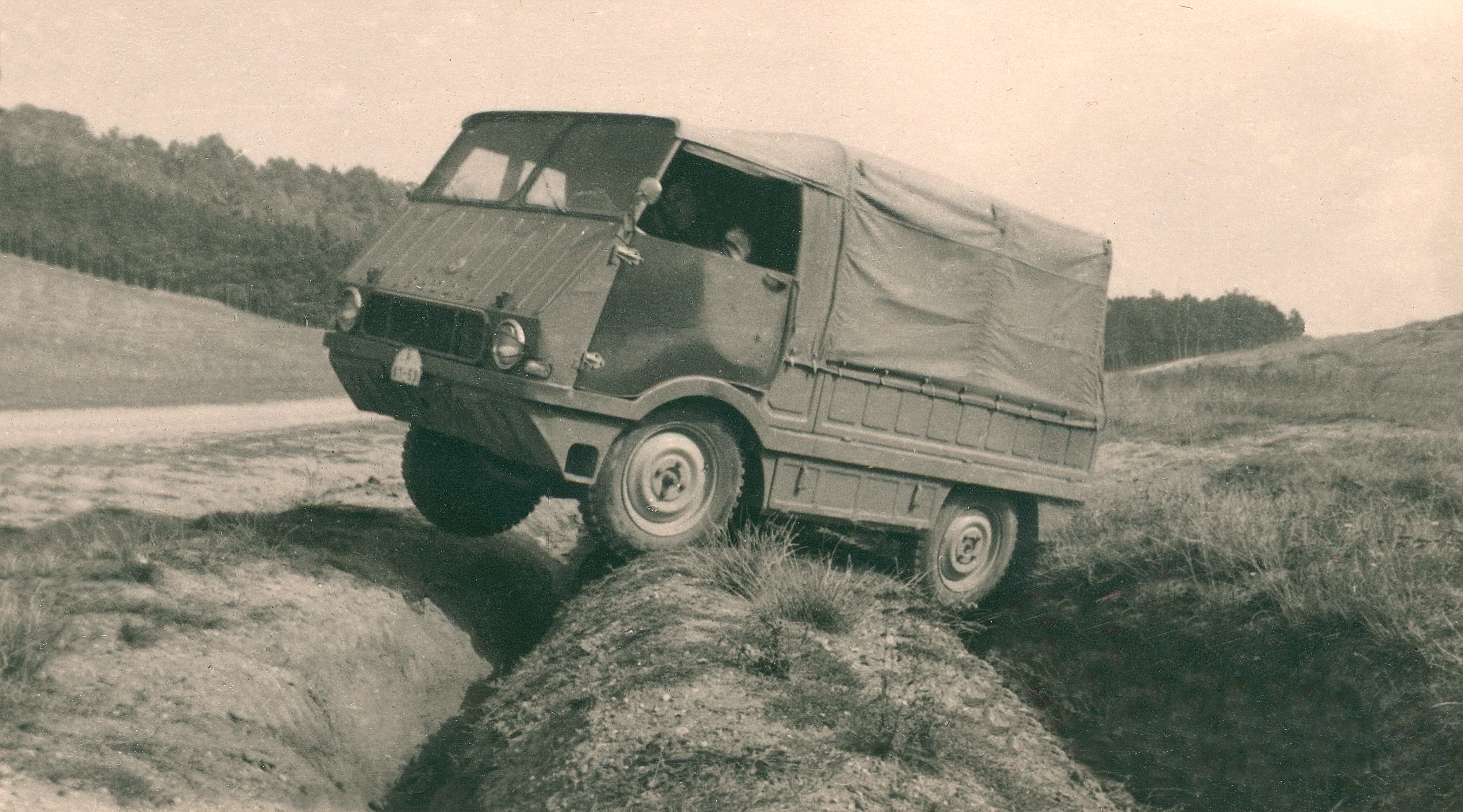 Lesser-known models from SKODA AUTO's 125-year history: Type 998 'Agromobil' from 1962 - Image 2