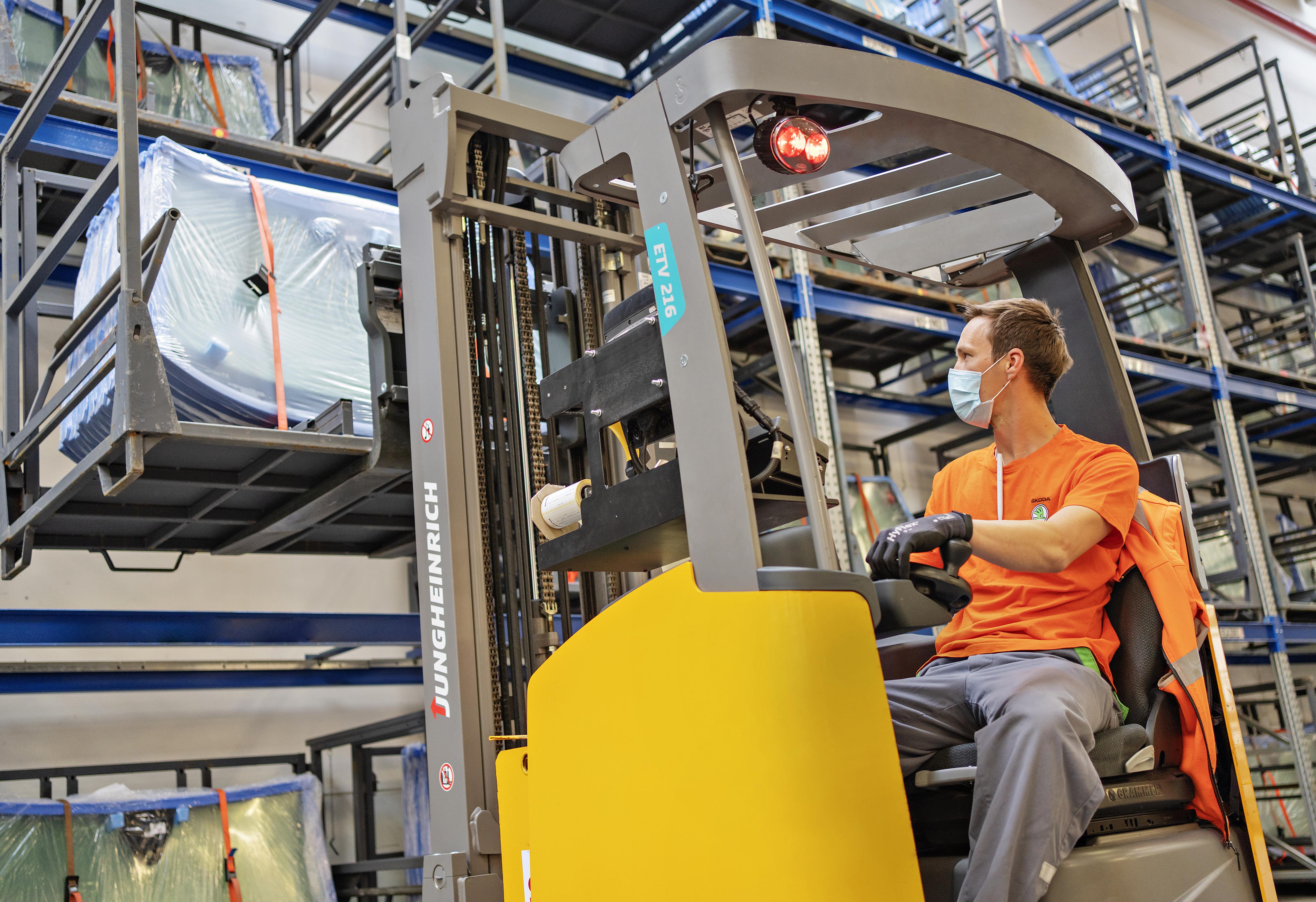 SKODA guarantees reliable supply of genuine parts worldwide despite coronavirus restrictions - Image 2