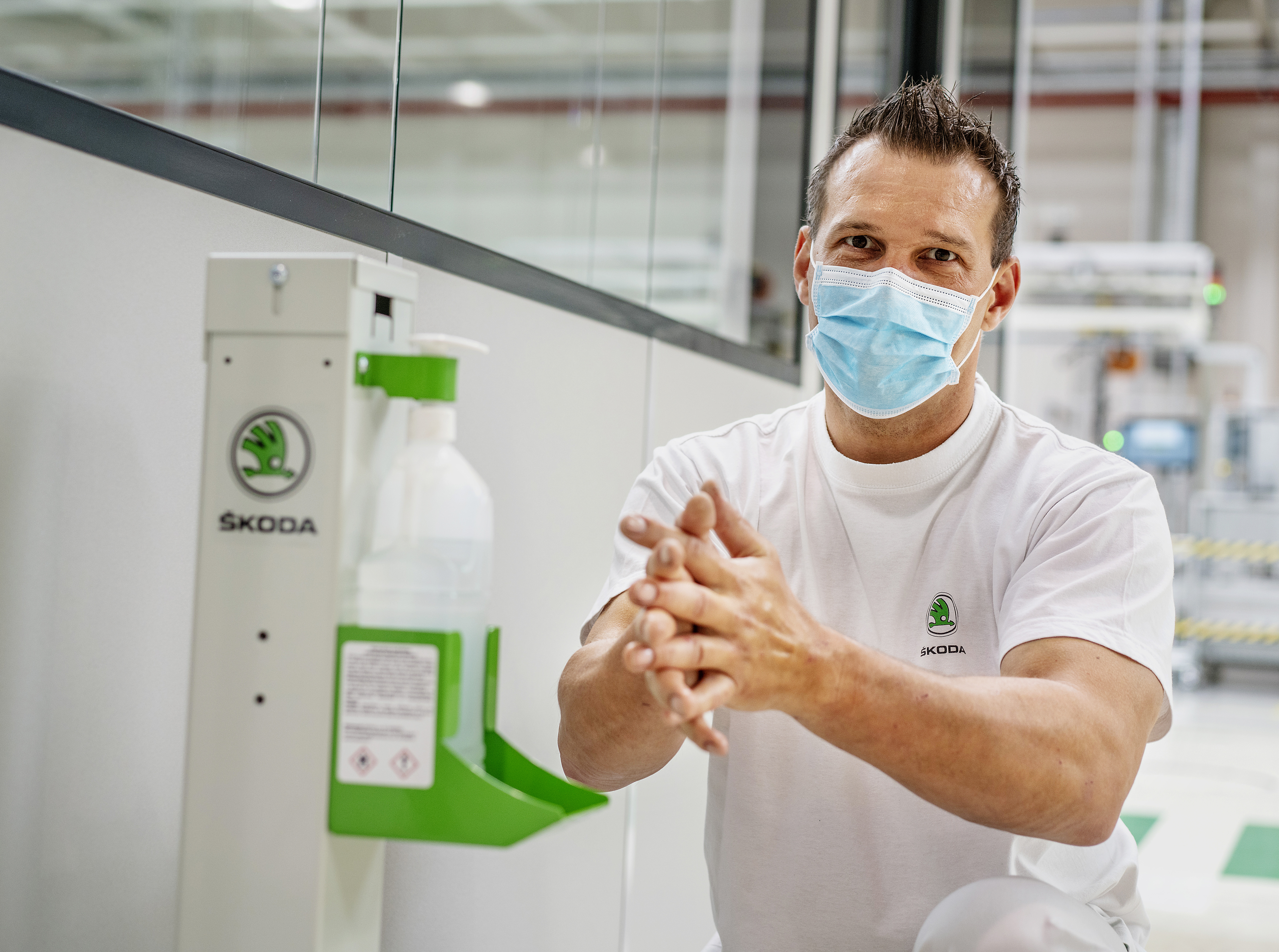 Commencing 27 April: SKODA AUTO to resume production with protective measures - Image 1