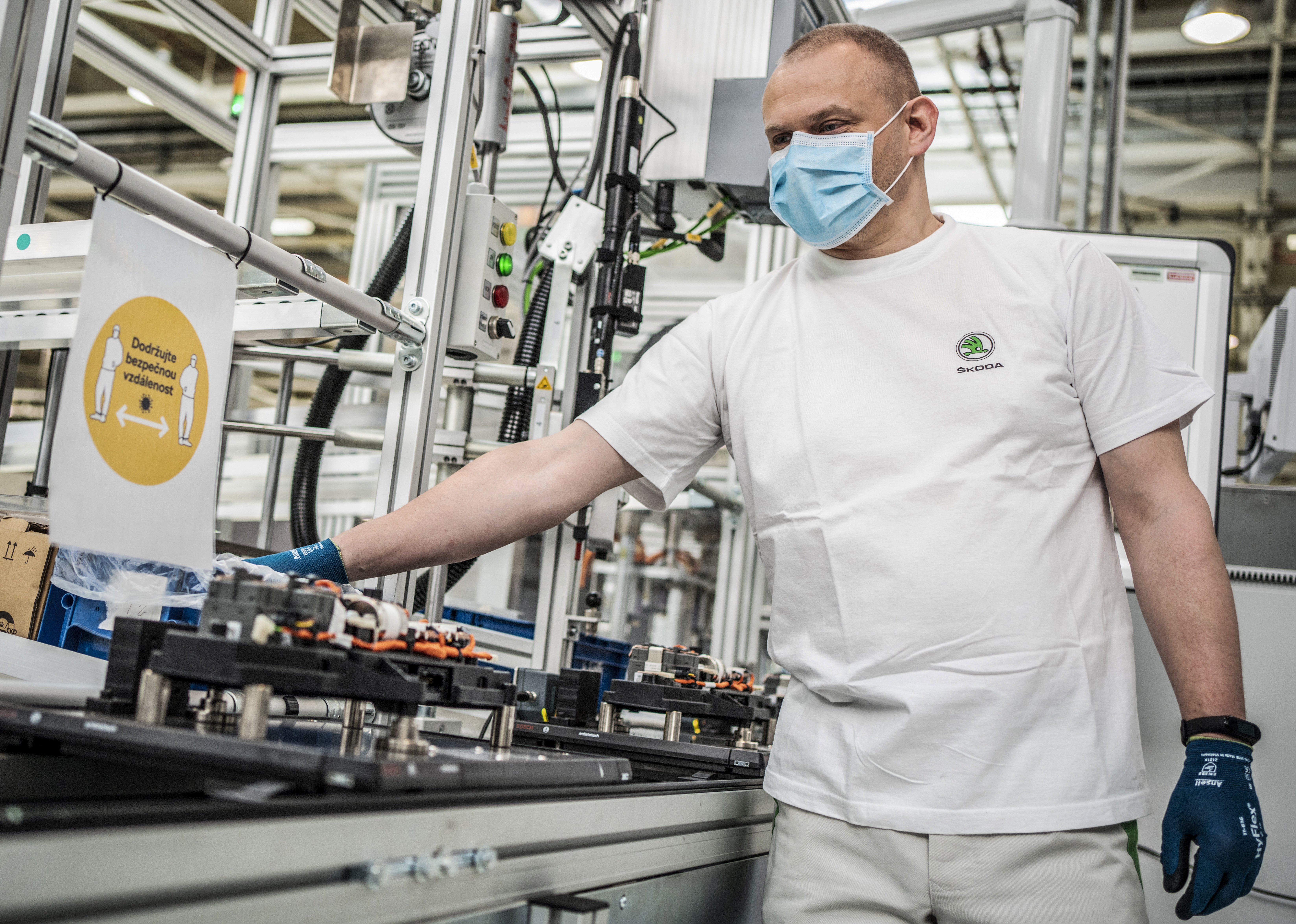 SKODA AUTO resumes production at its Czech plants - Image 2