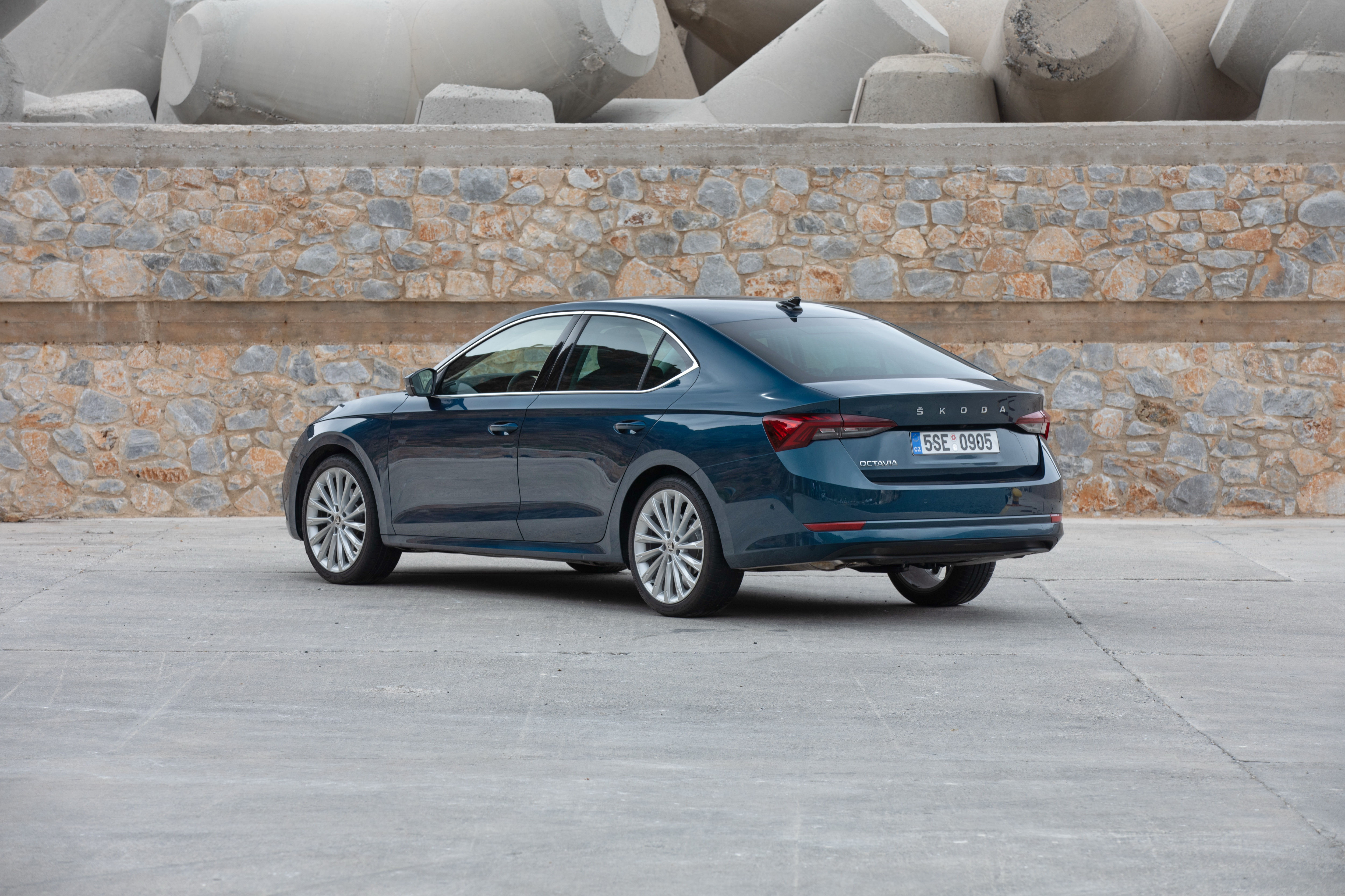 The all-new SKODA OCTAVIA: spacious, practical and elegant like a coupé - Image 4