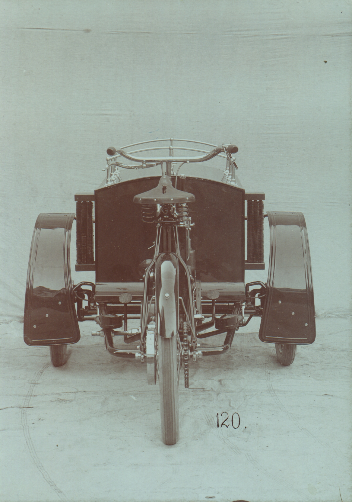 Lesser-known models from SKODA AUTO's 125-year history: The LW three-wheeler from Laurin & Klement - Image 1