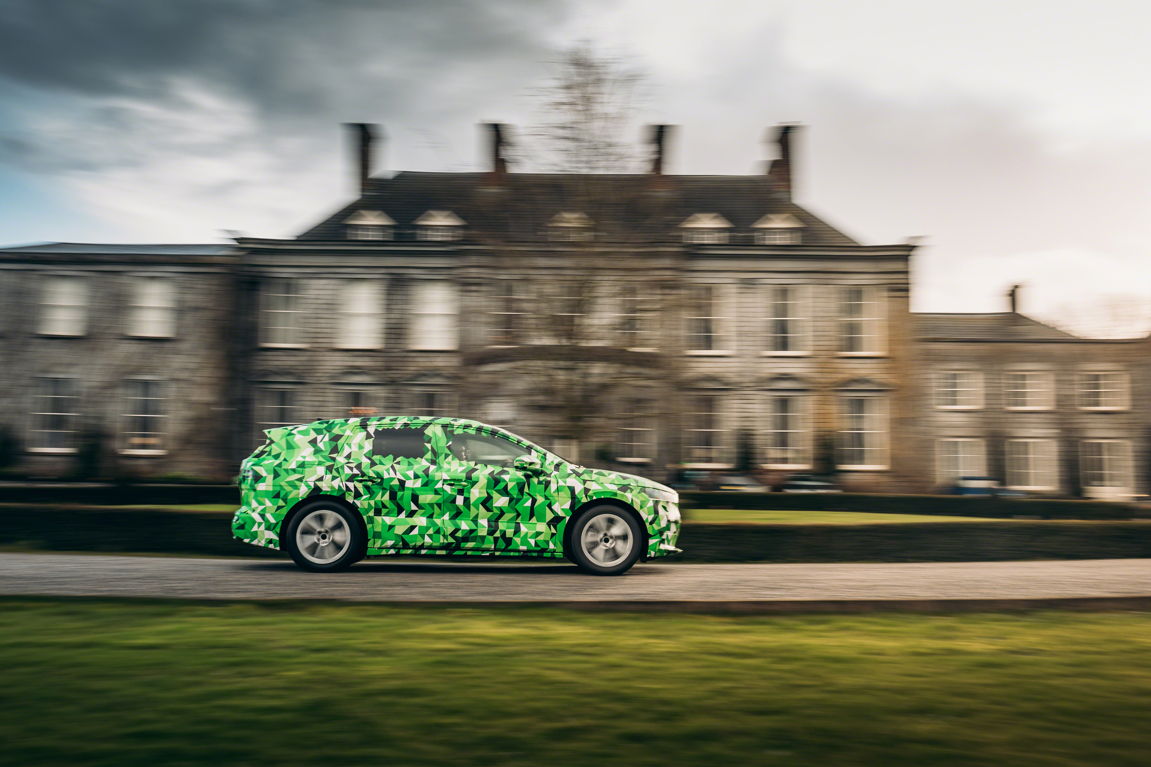 SKODA test mules: The art of camouflage - Image 4