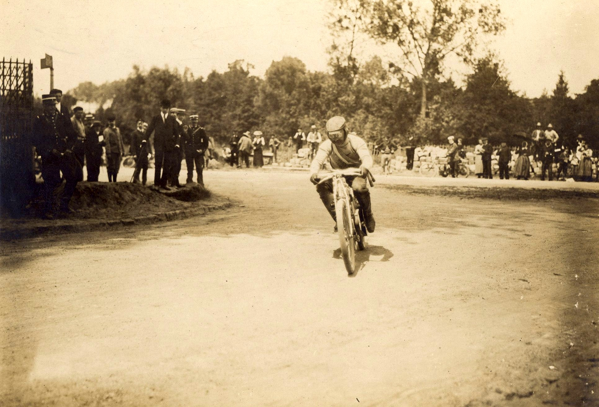 The triumph at Dourdan: Laurin & Klement won the motorcycle world championship 115 years ago - Image 1