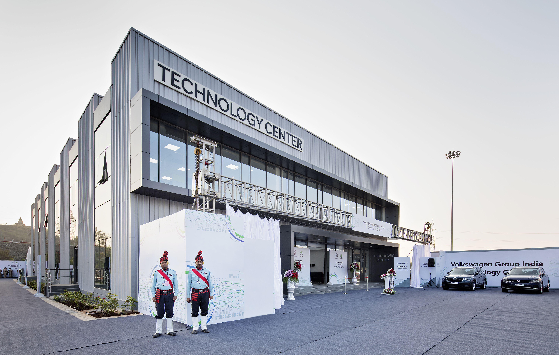 Otevření Technologického centra Škoda Auto a VW