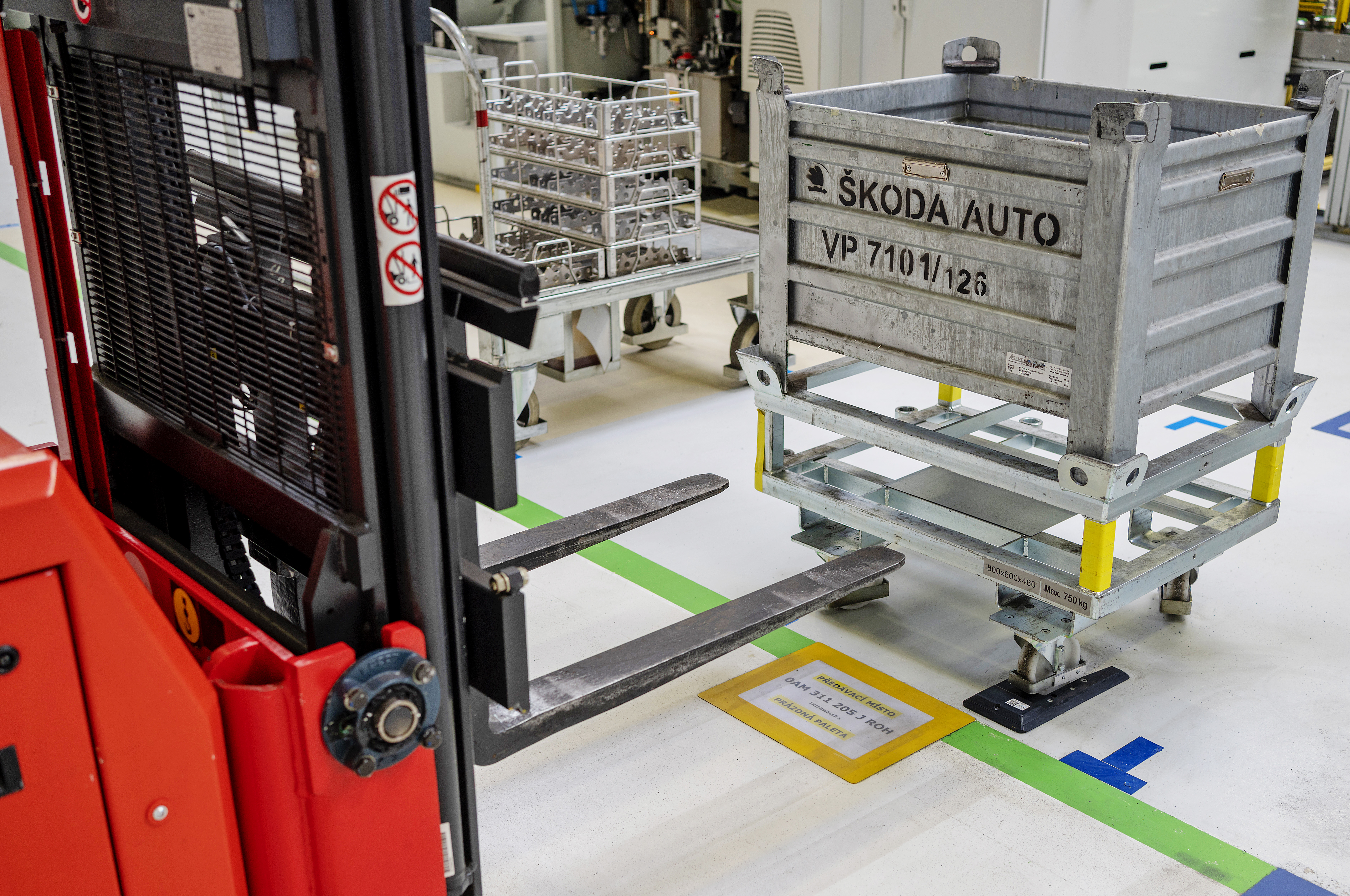 SKODA AUTO Vrchlabí plant launches automated ordering and supply of parts for CNC processing lines - Image 1