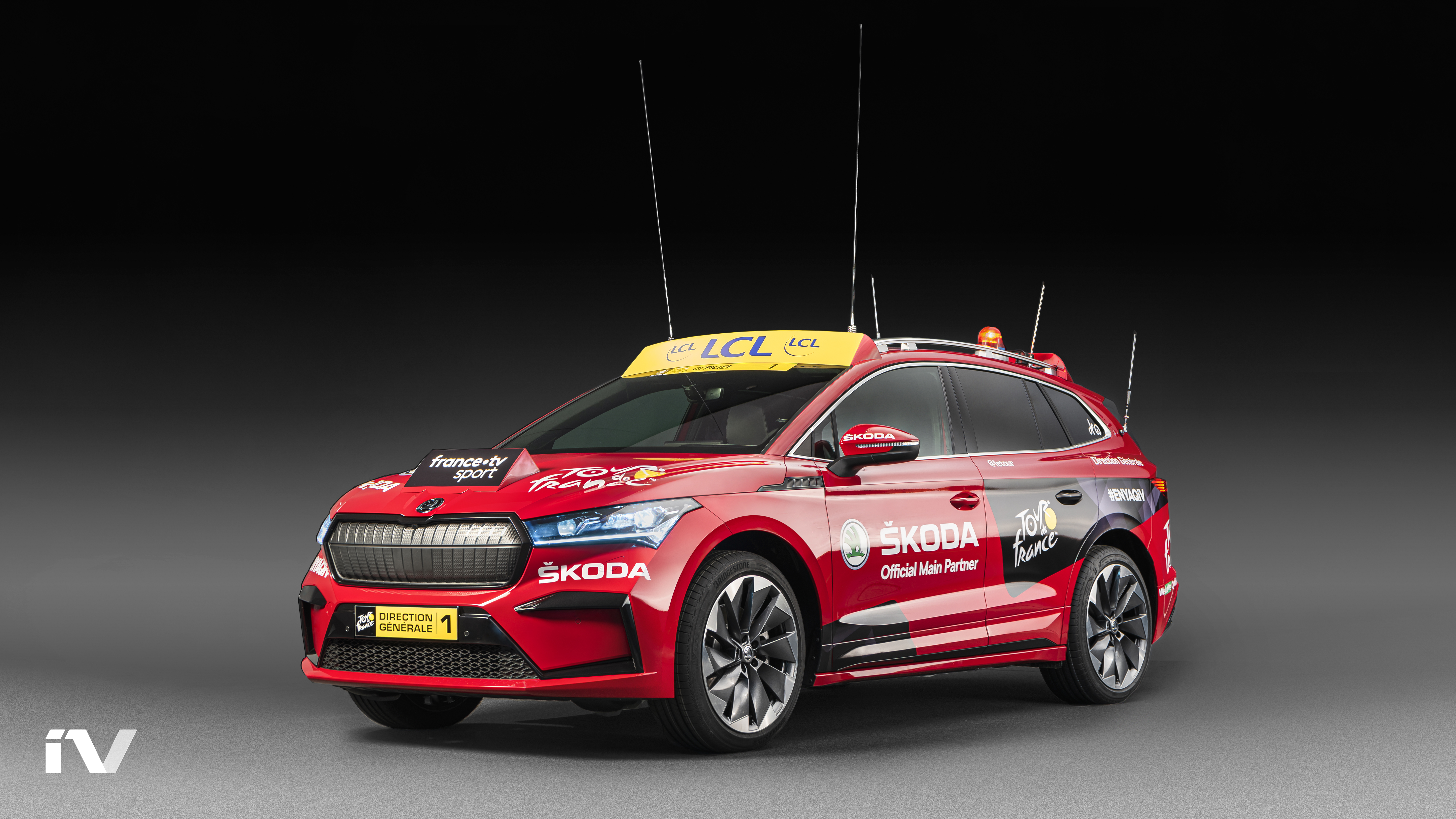 SKODA ENYAQ iV makes its debut as the lead vehicle in the Tour de France - Image 8