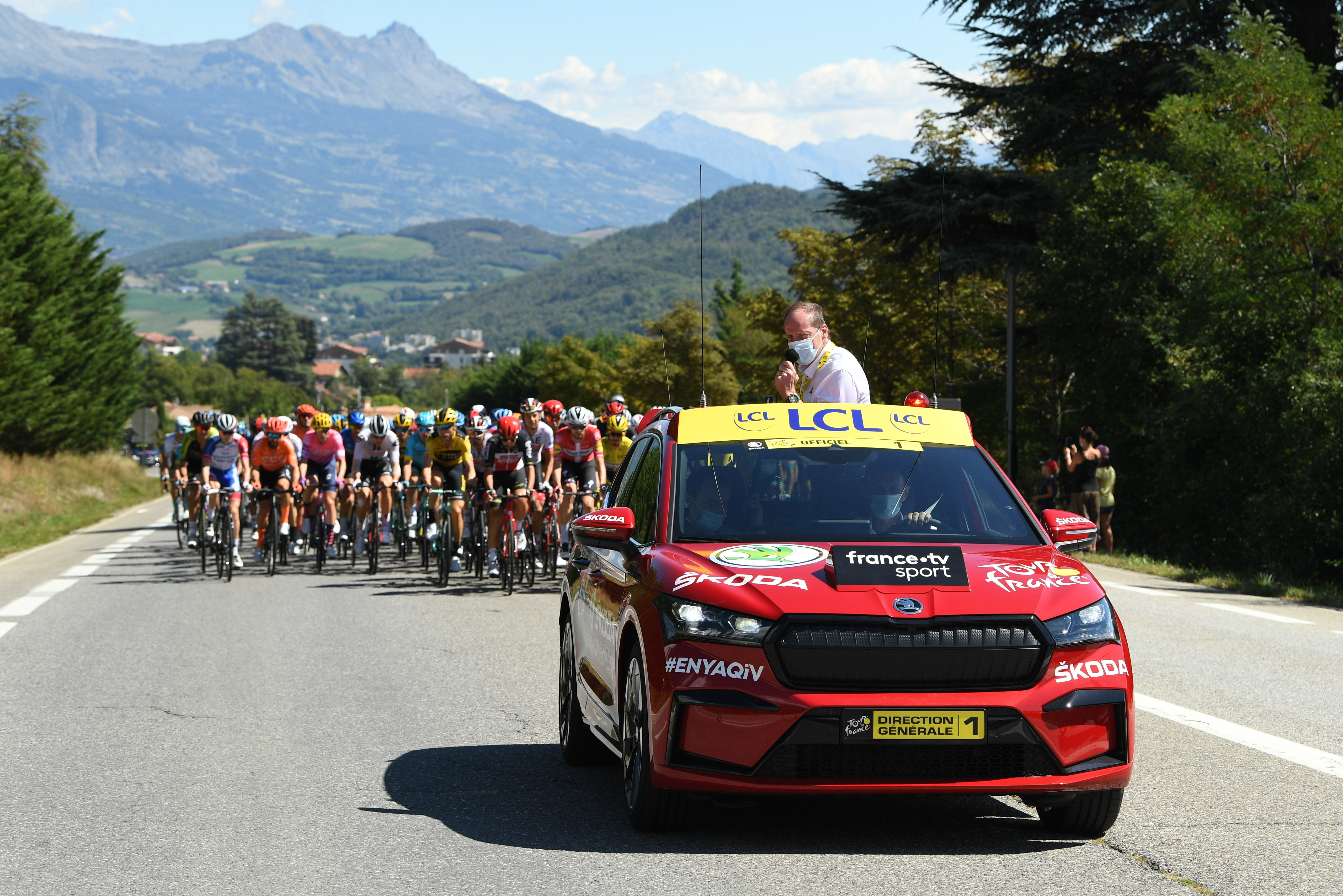 Pictures of the new SKODA ENYAQ iV appearing as the 'Red Car' at the Tour de France - Image 2