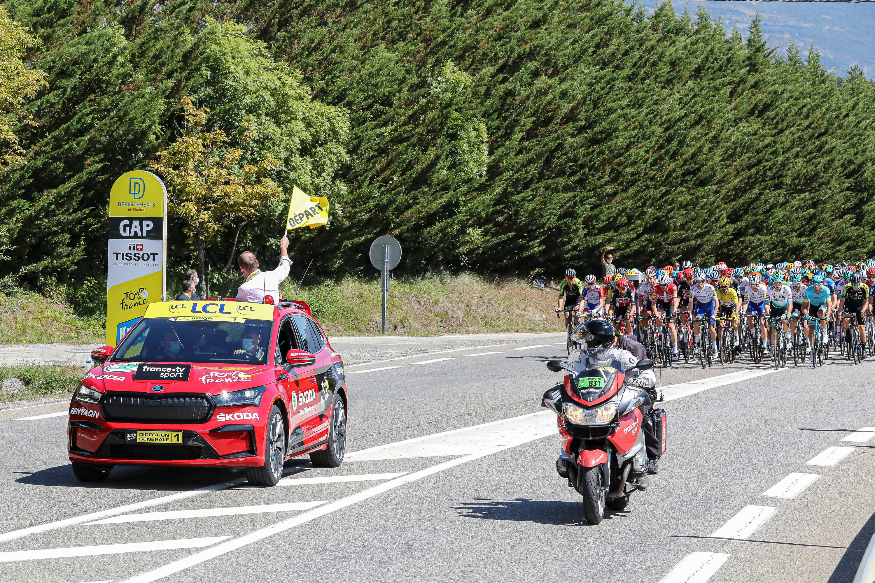Pictures of the new SKODA ENYAQ iV appearing as the 'Red Car' at the Tour de France - Image 1