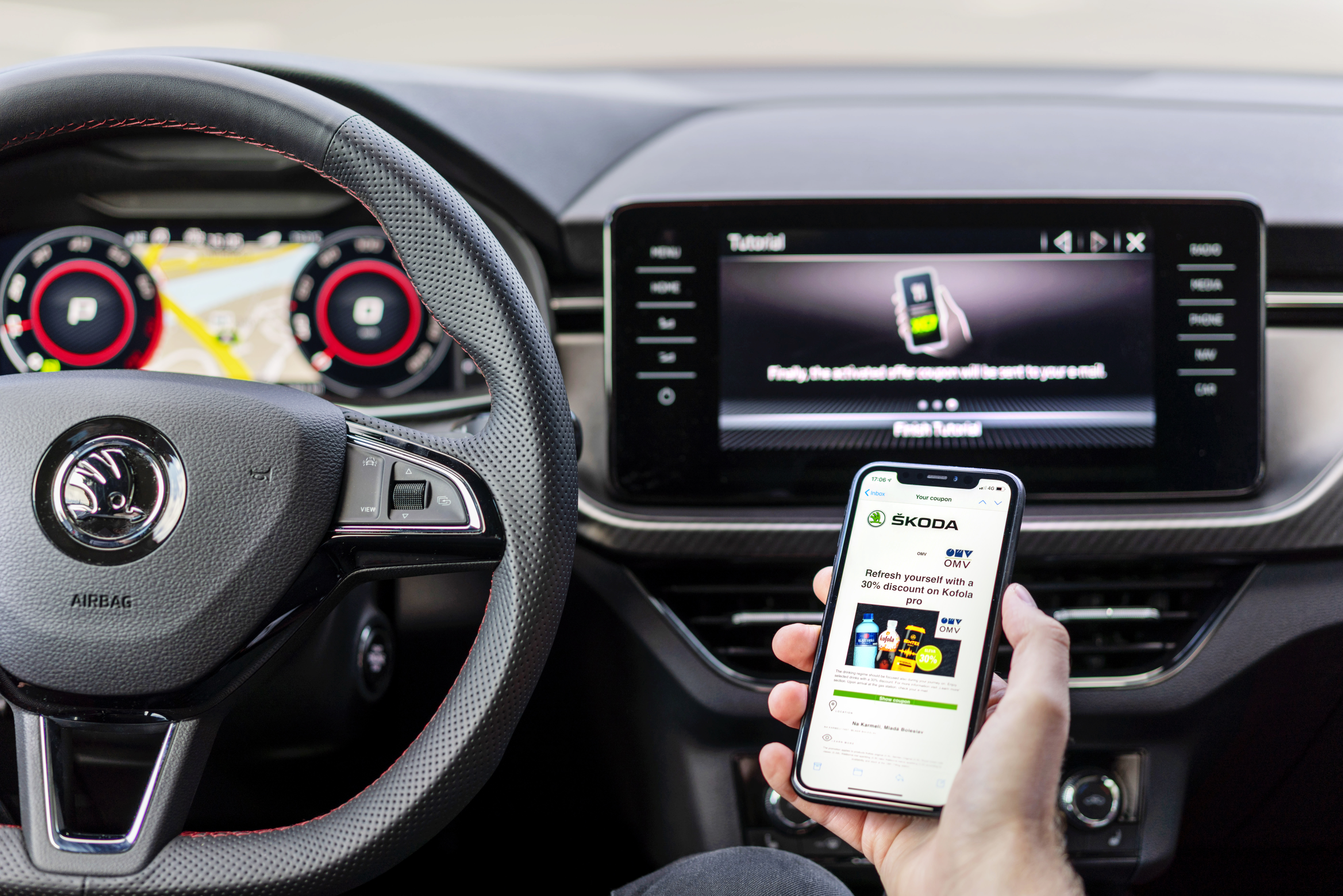 SKODA AUTO adds location-based offers to its range of connectivity services - Image 2