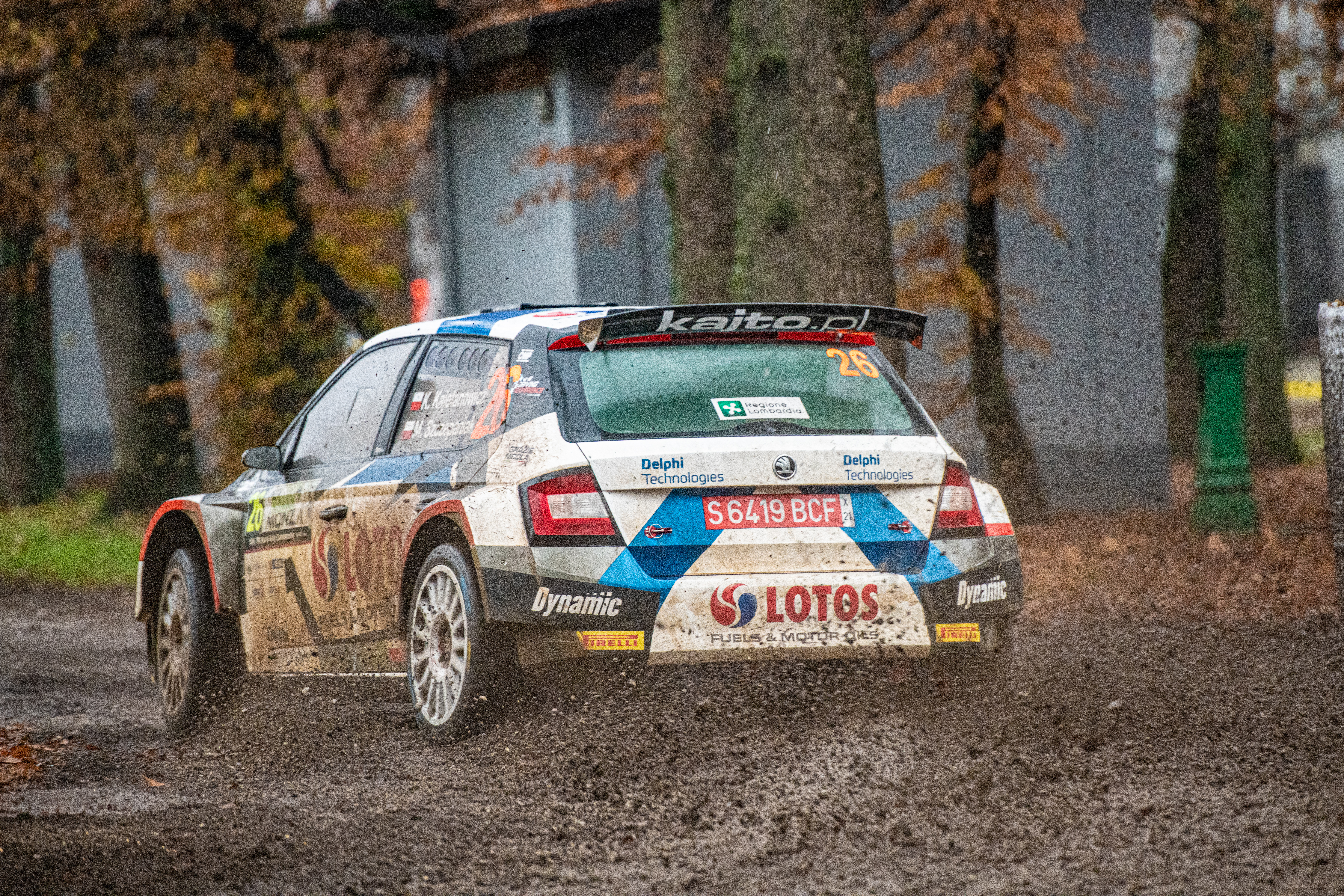 ACI Rally Monza: Clever tactics pays off as SKODA crews lead WRC2 and WRC3 after first leg - Image 8