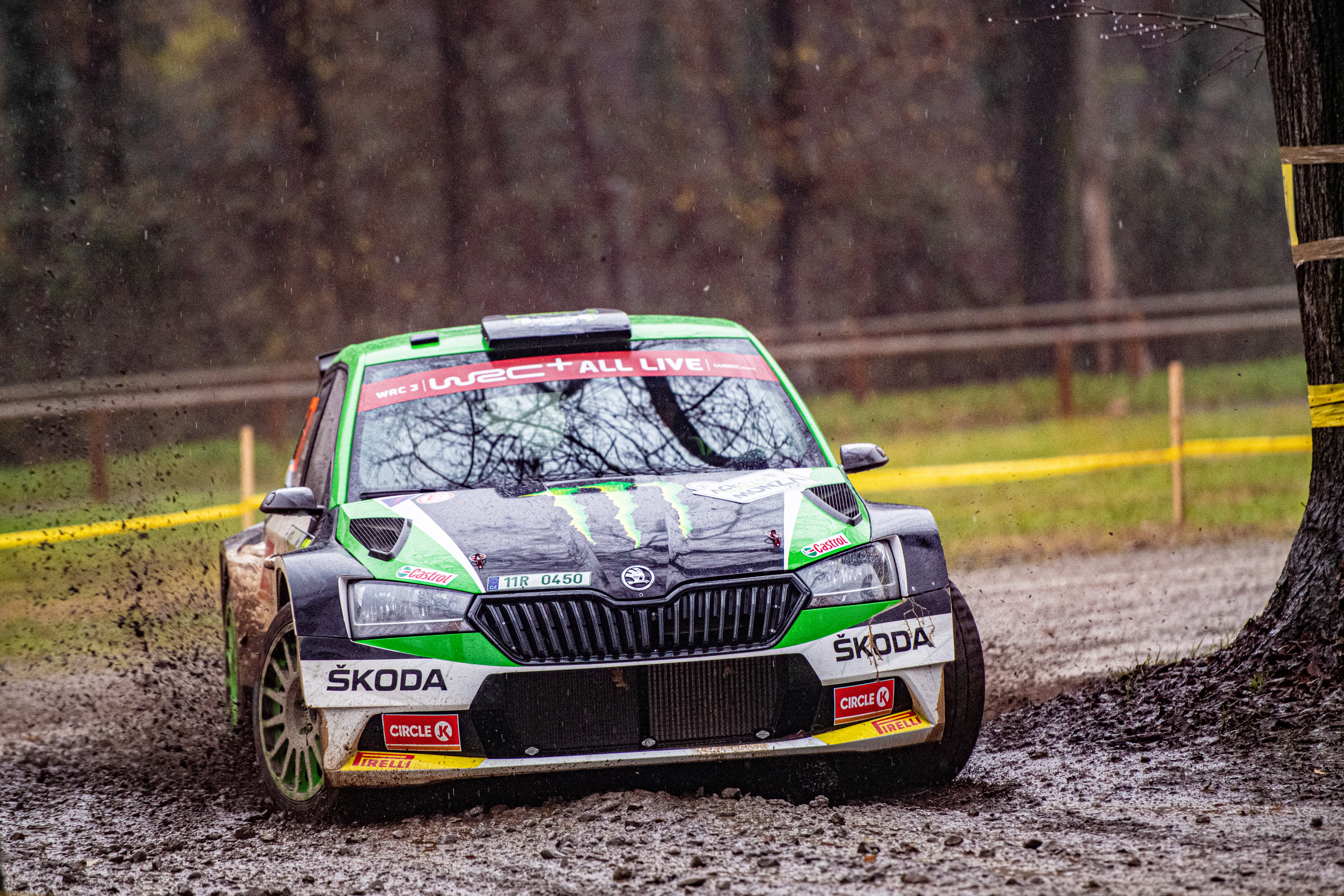 ACI Rally Monza: Clever tactics pays off as SKODA crews lead WRC2 and WRC3 after first leg - Image 1