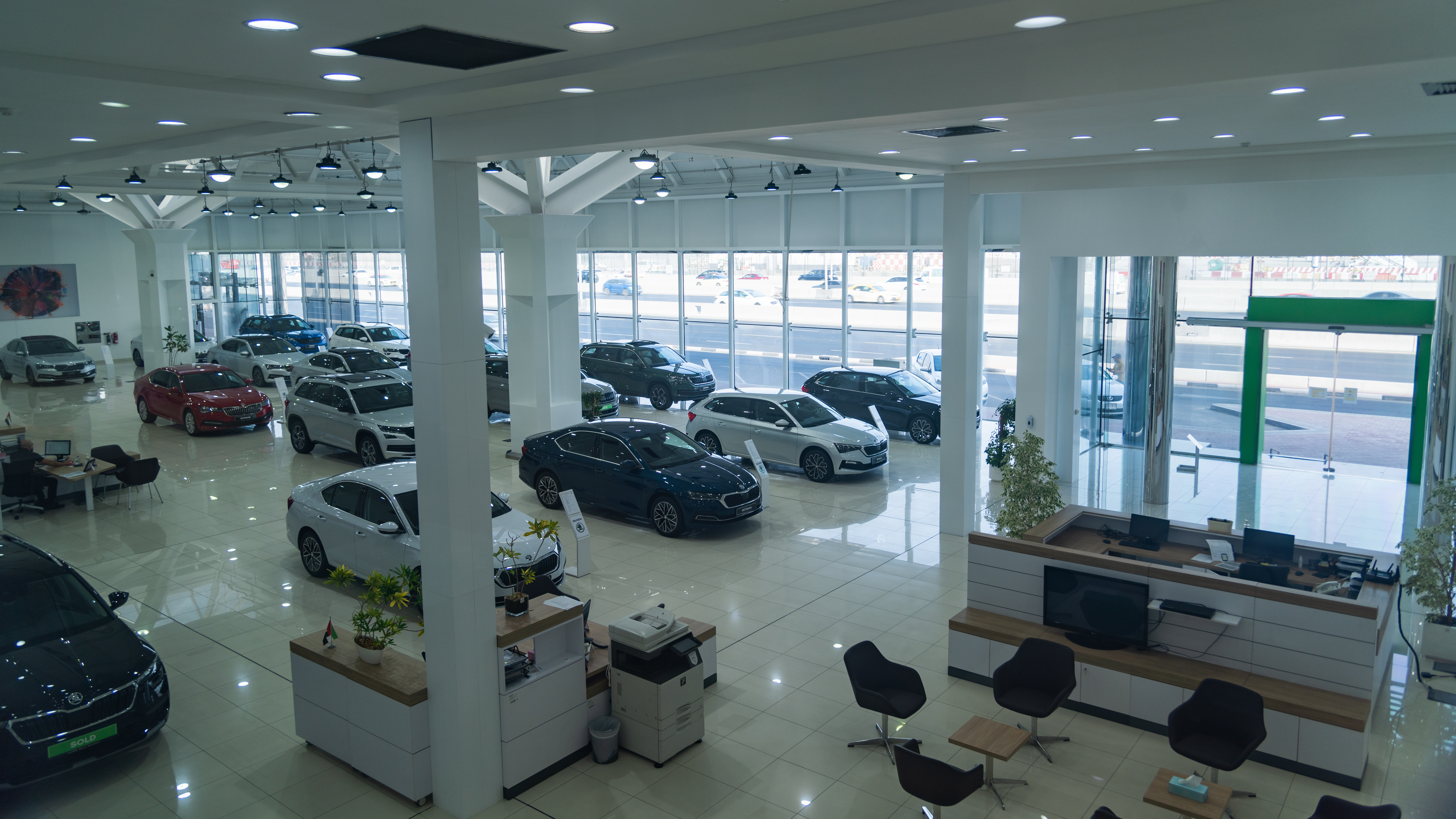 SKODA AUTO opens the brand's largest showroom worldwide in the United Arab Emirates - Image 1