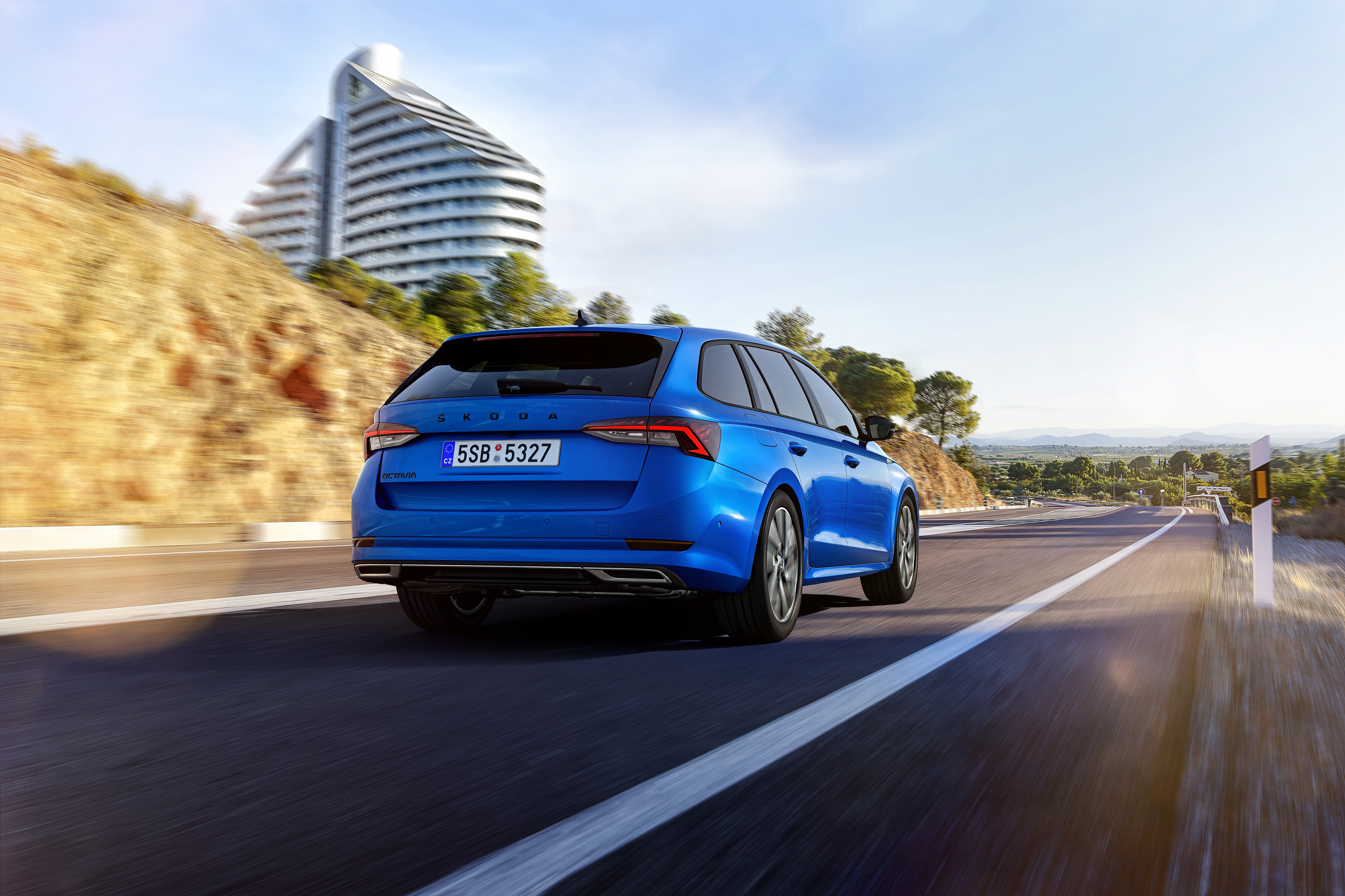 SKODA OCTAVIA available as SPORTLINE version for the first time - Image 3