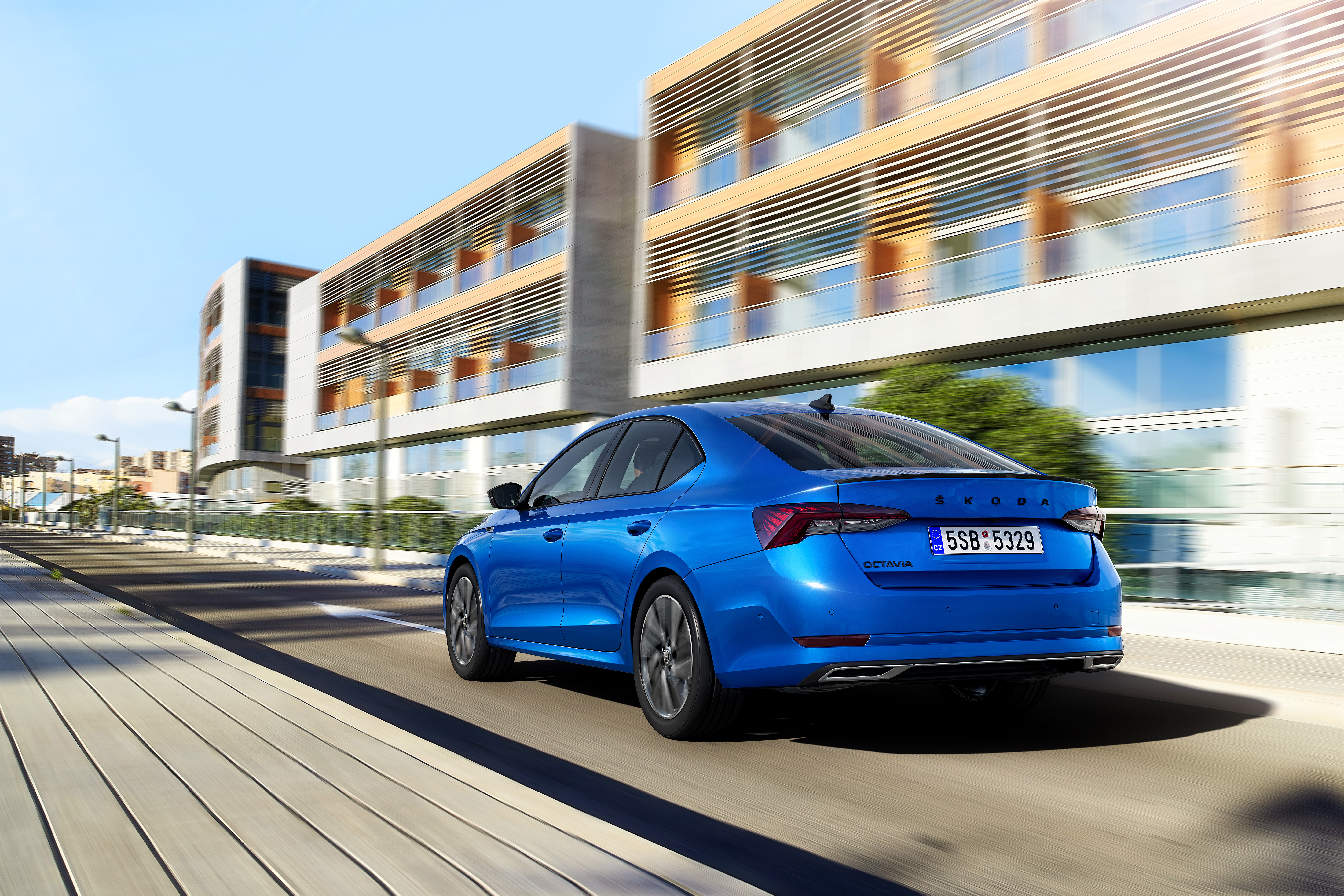 SKODA OCTAVIA available as SPORTLINE version for the first time - Image 1