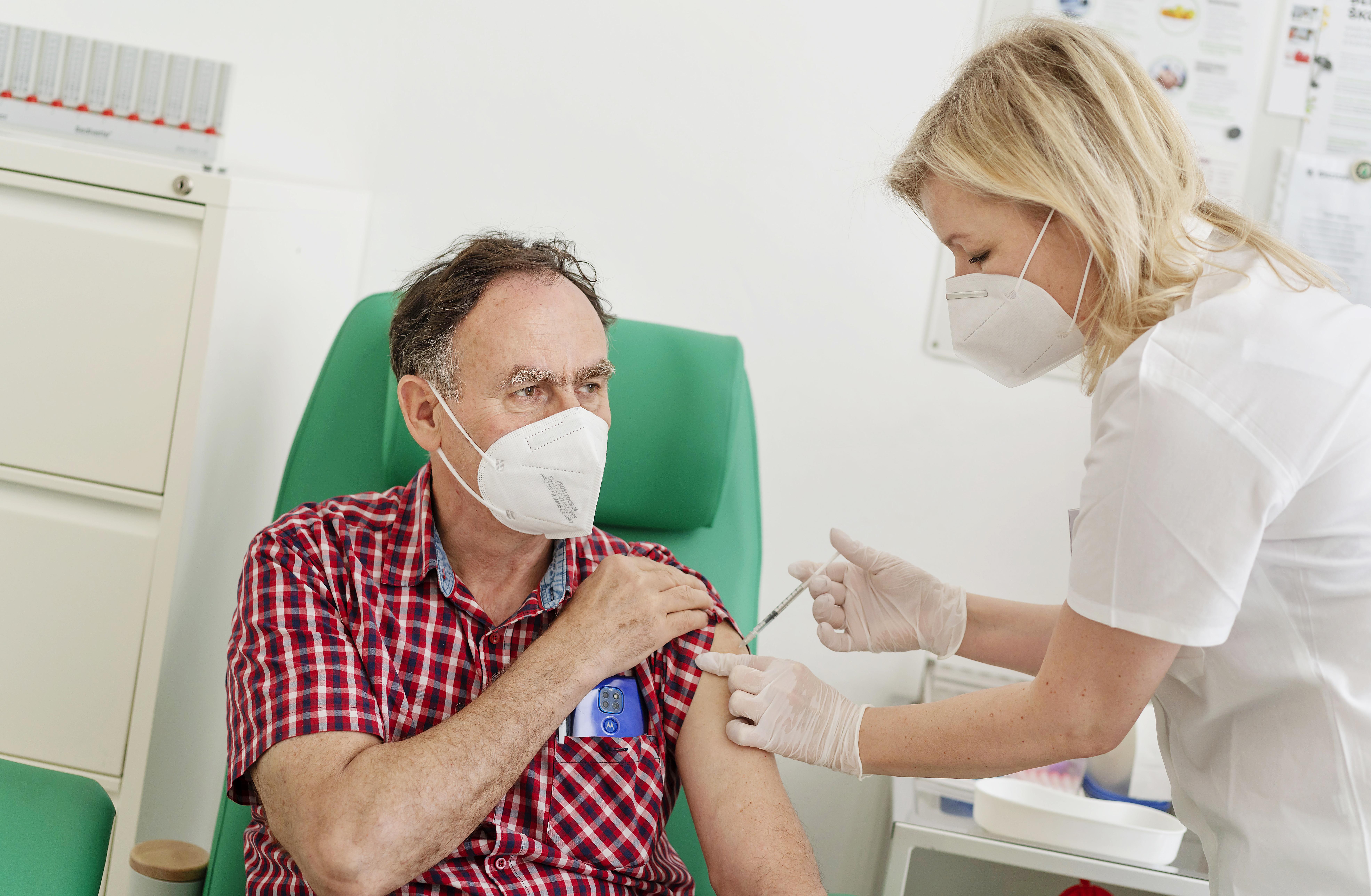 SKODA AUTO supports COVID-19 vaccination efforts - Image 1