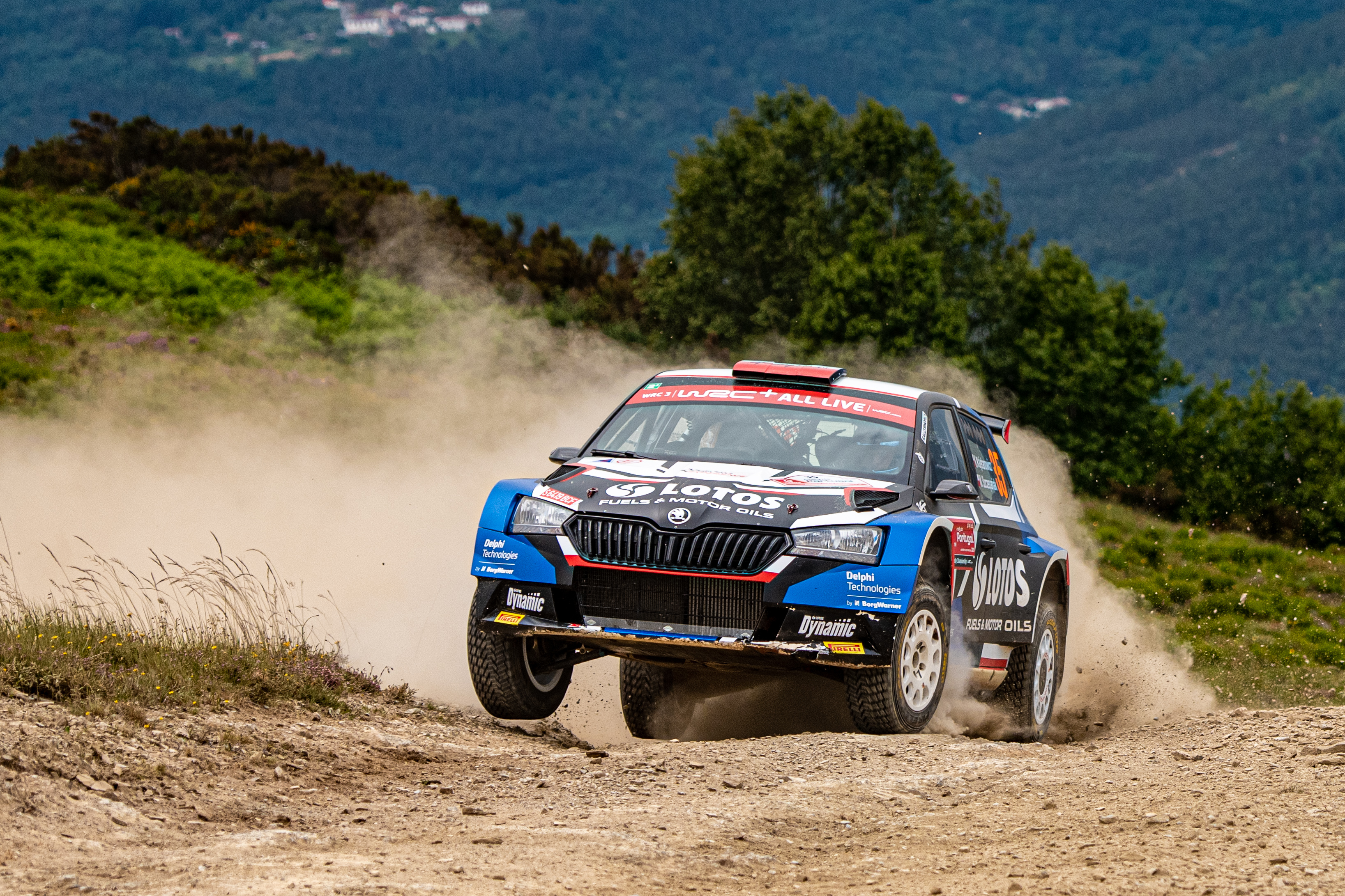 Rally Italia Sardegna: SKODA crews fight for victories in WRC2 and WRC3 - Image 1