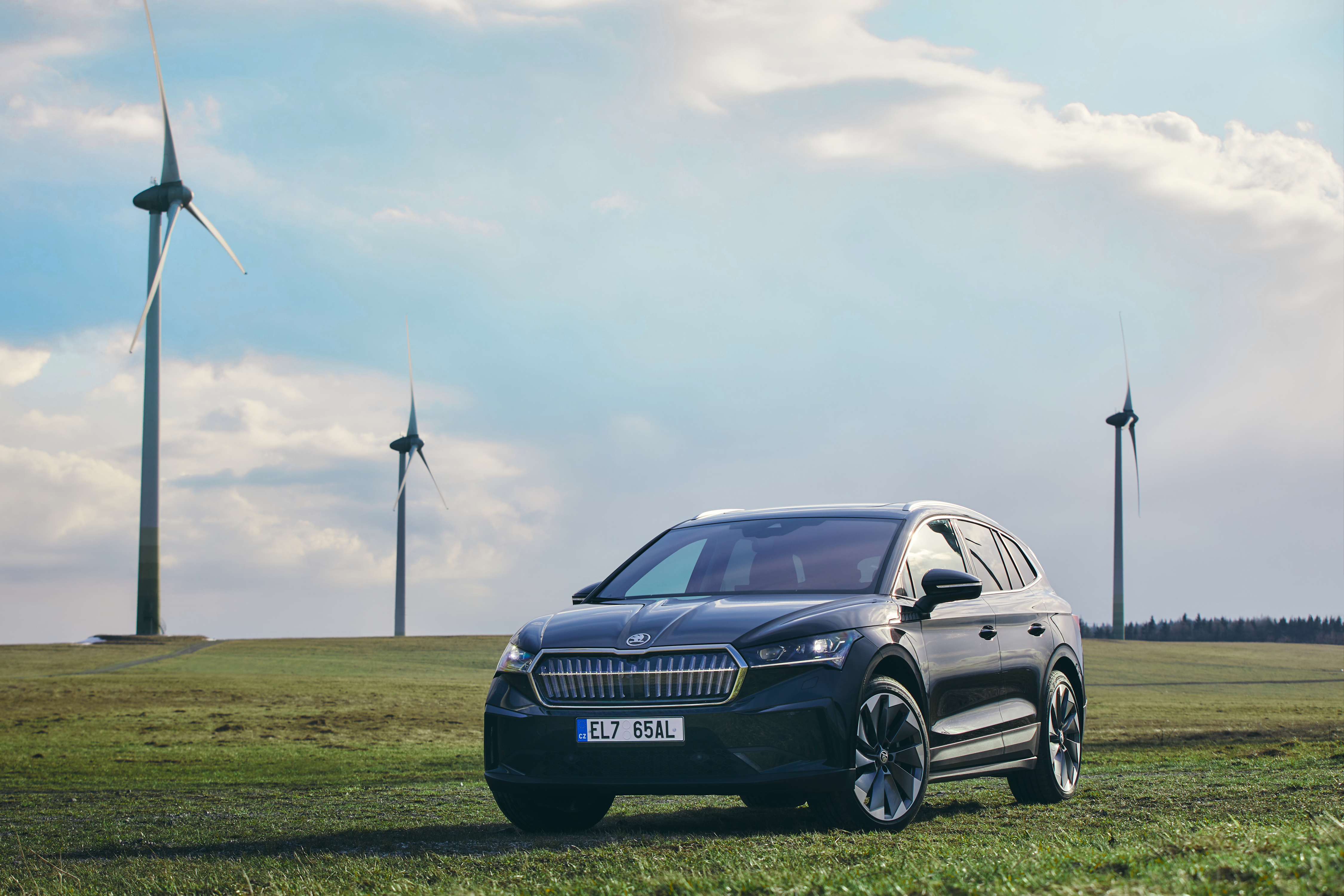 SKODA AUTO delivers the ENYAQ iV to customers with a carbon-neutral balance sheet - Image 1