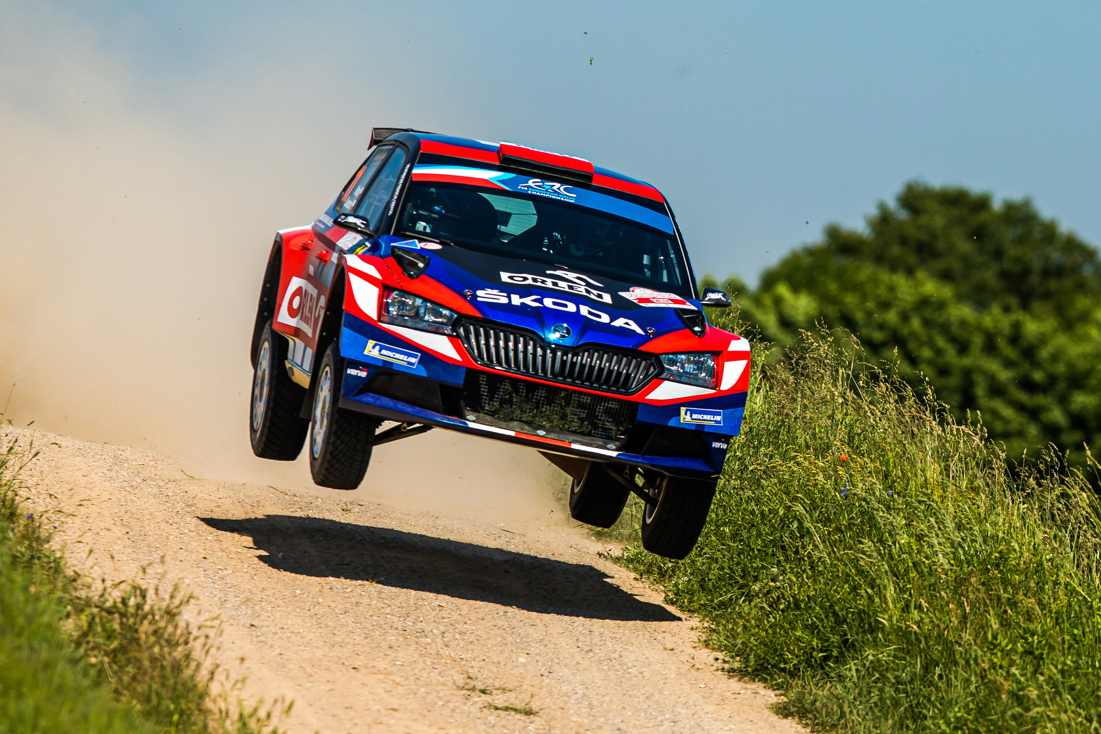 Rally Poland: Andreas Mikkelsen conquers second place with SKODA FABIA Rally2 evo - Image 4
