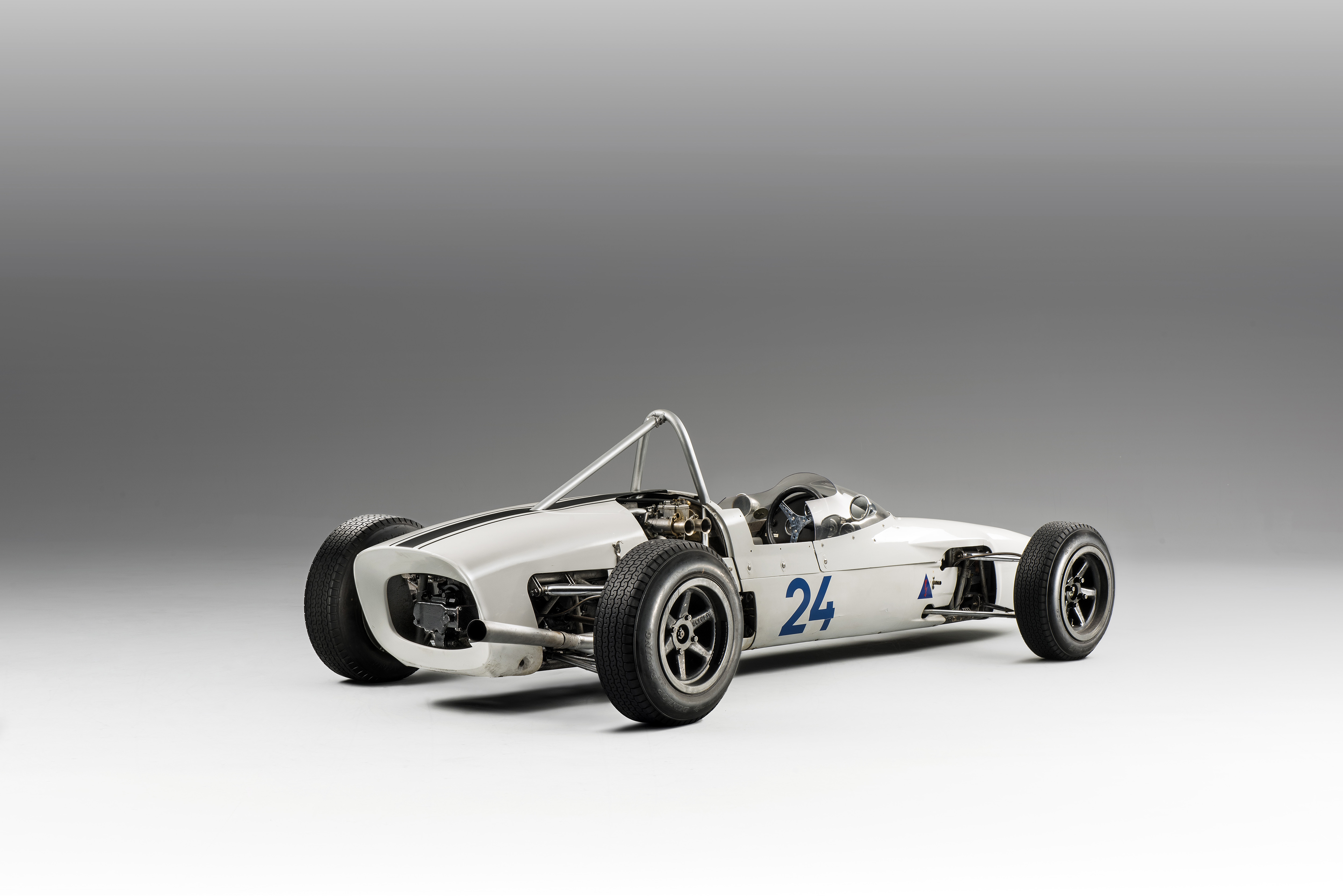 SKODA F3, Type 992 (1964): European-class Formula racing car - Image 5