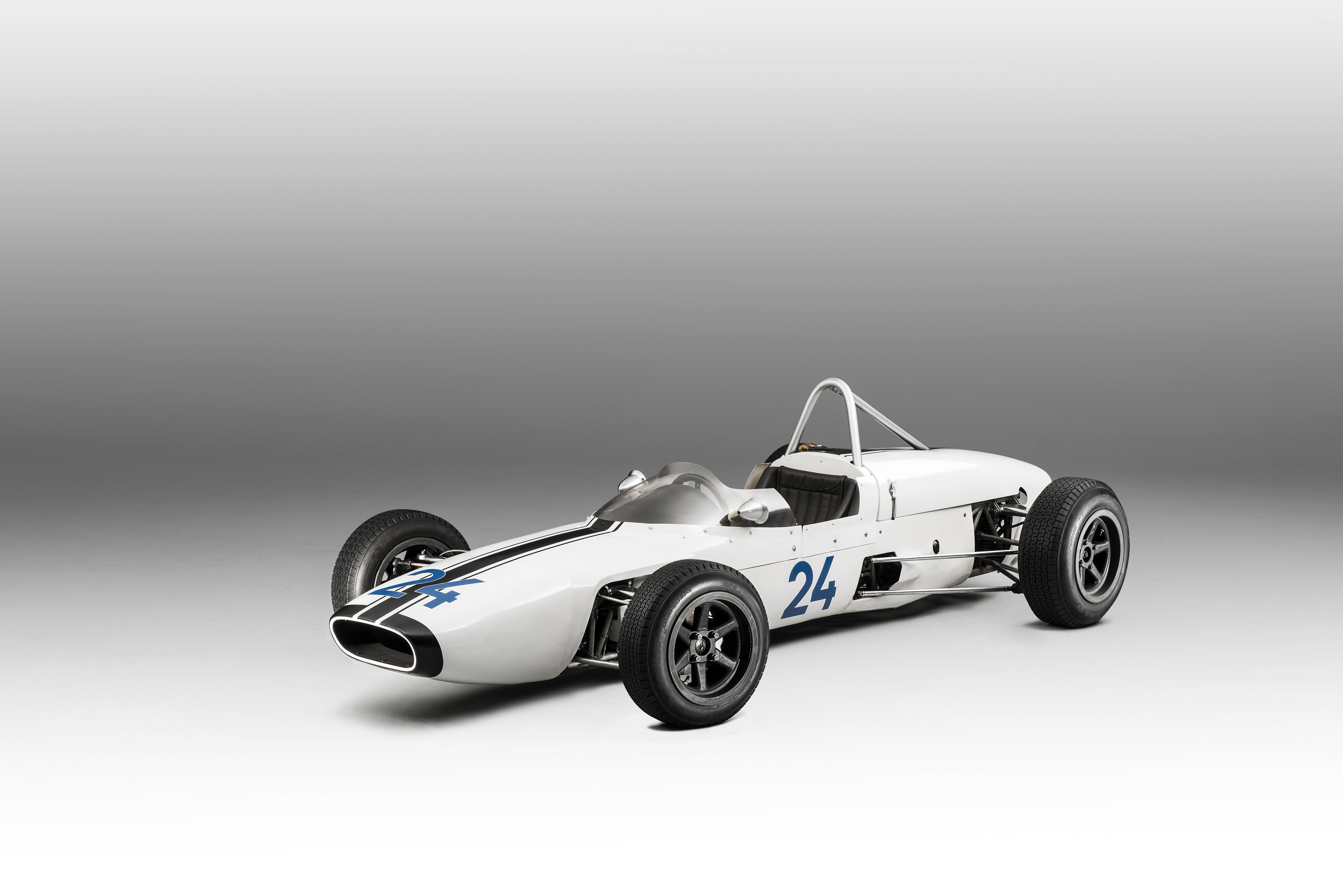 SKODA F3, Type 992 (1964): European-class Formula racing car - Image 3