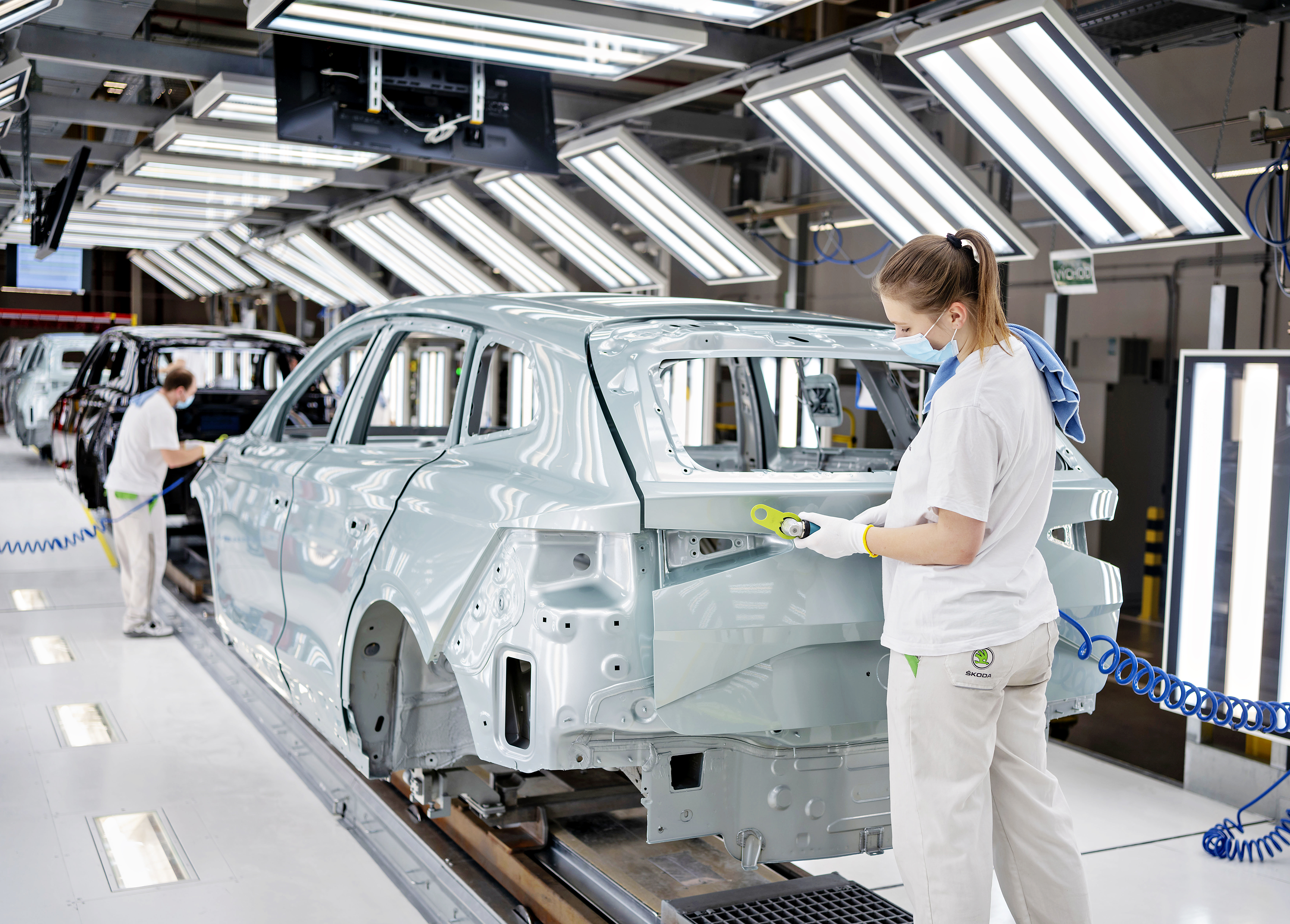 SKODA AUTO manufactures 100,000th iV vehicle - Image 1