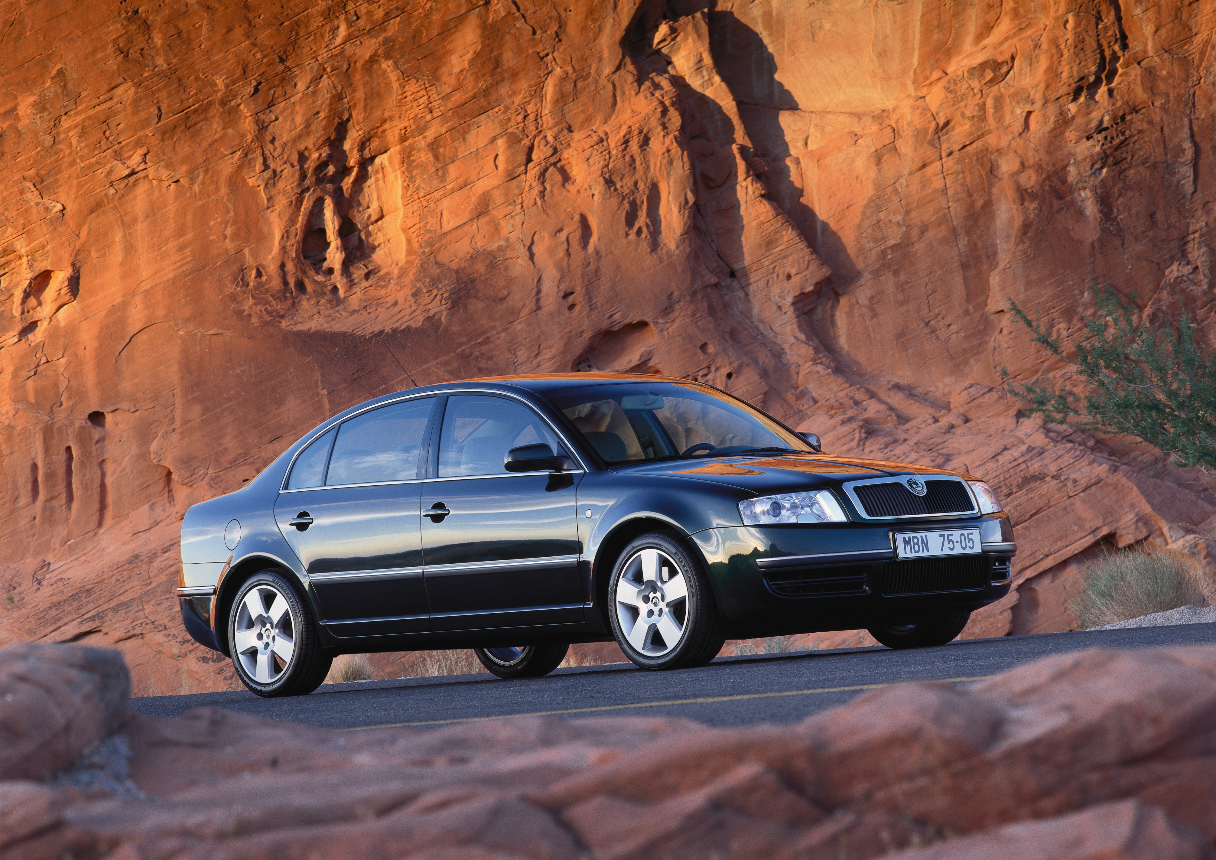 The flagship celebrates an anniversary: the first generation of the modern SKODA SUPERB turns 20 - Image 6